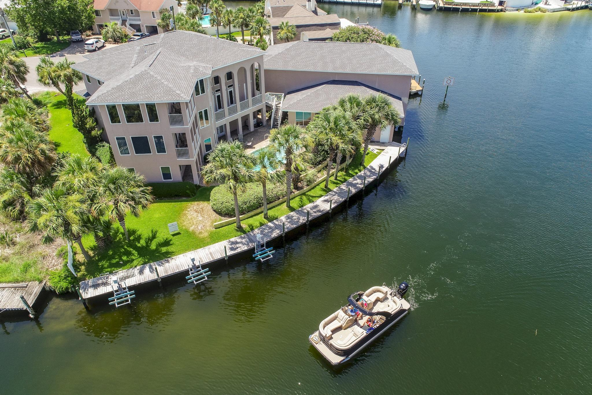 Photo of home for sale at 500 Osceola, Destin FL