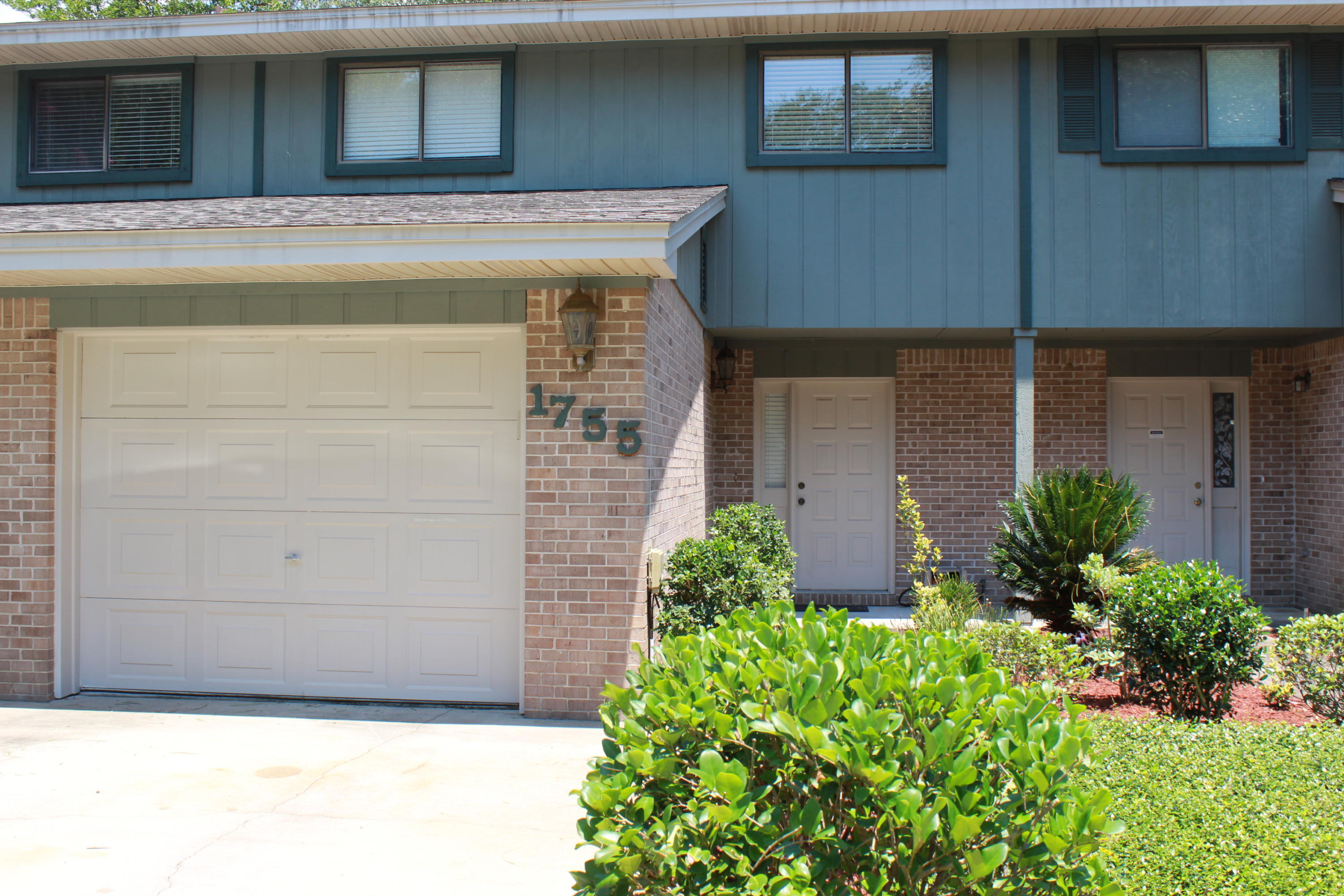 Photo of home for sale at 1755 Union, Niceville FL