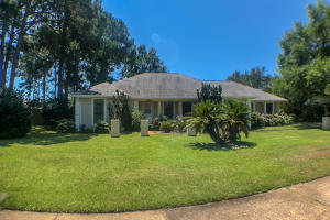 Property for sale at 40 E Country Club Drive, Destin,  FL 32541