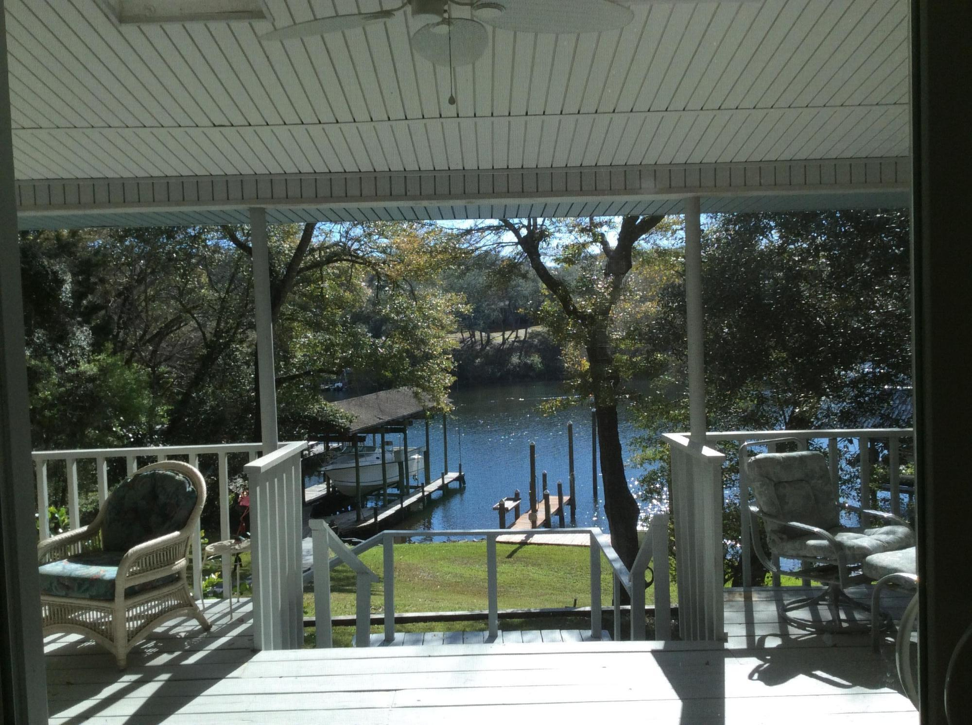 Photo of home for sale at 117 Star, Fort Walton Beach FL