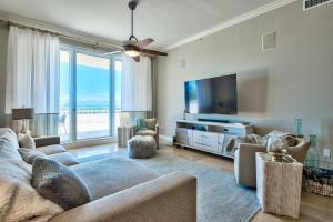 Property for sale at 15400 Emerald Coast Parkway #203, Destin,  FL 32541