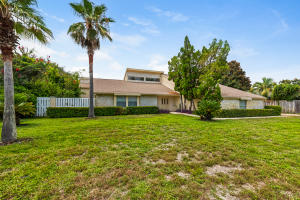 Property for sale at 104 W Country Club Drive, Destin,  FL 32541
