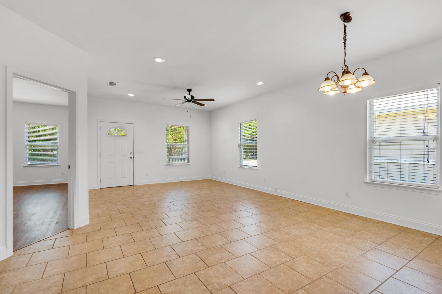 Photo of home for sale at 249 County Line, Niceville FL