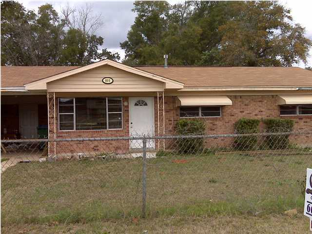 Photo of home for sale at 460 School, Crestview FL
