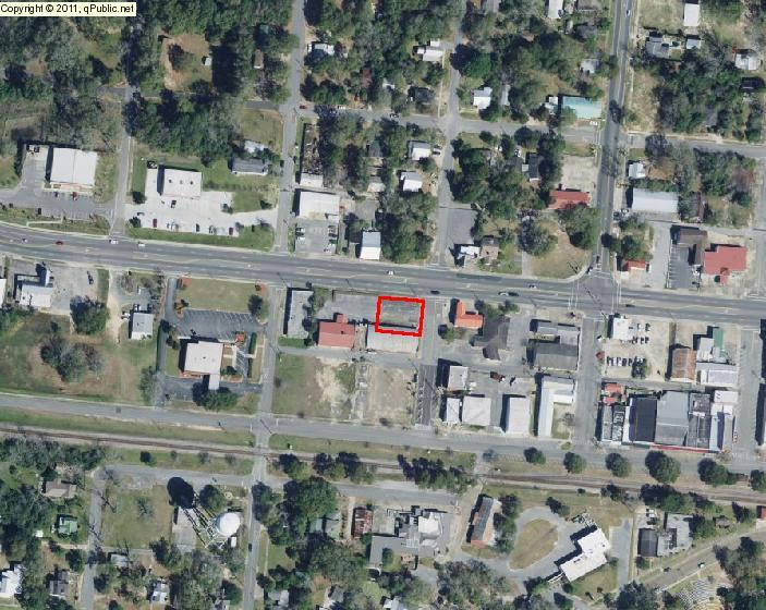 Photo of home for sale at 000 Highway 90, Defuniak Springs FL