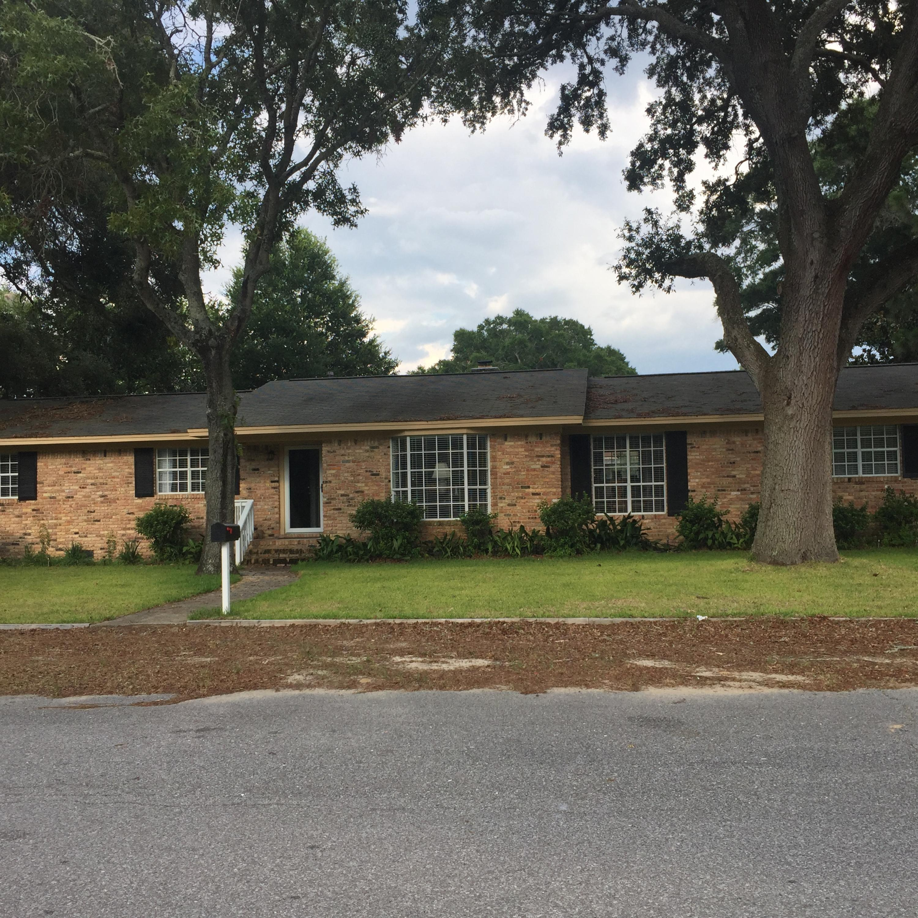 Photo of home for sale at 2 71st, Pensacola FL