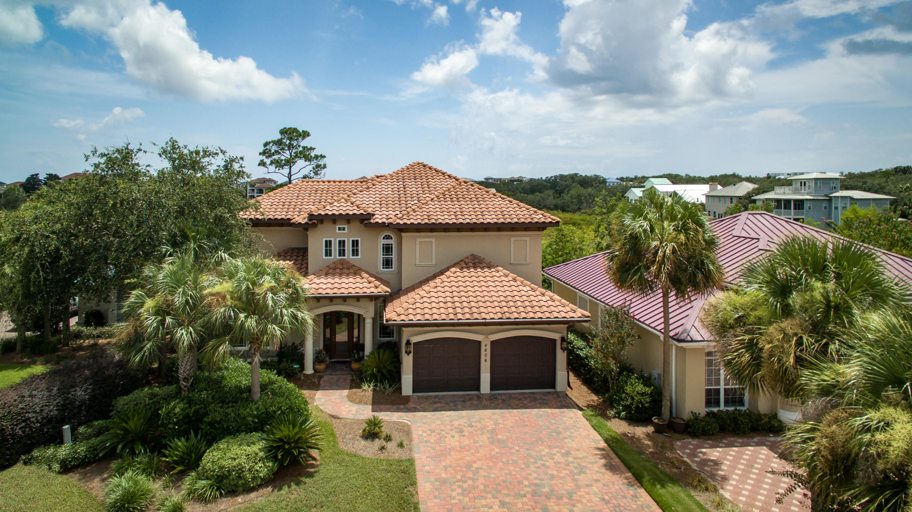 Photo of home for sale at 4606 Paradise Isles, Destin FL