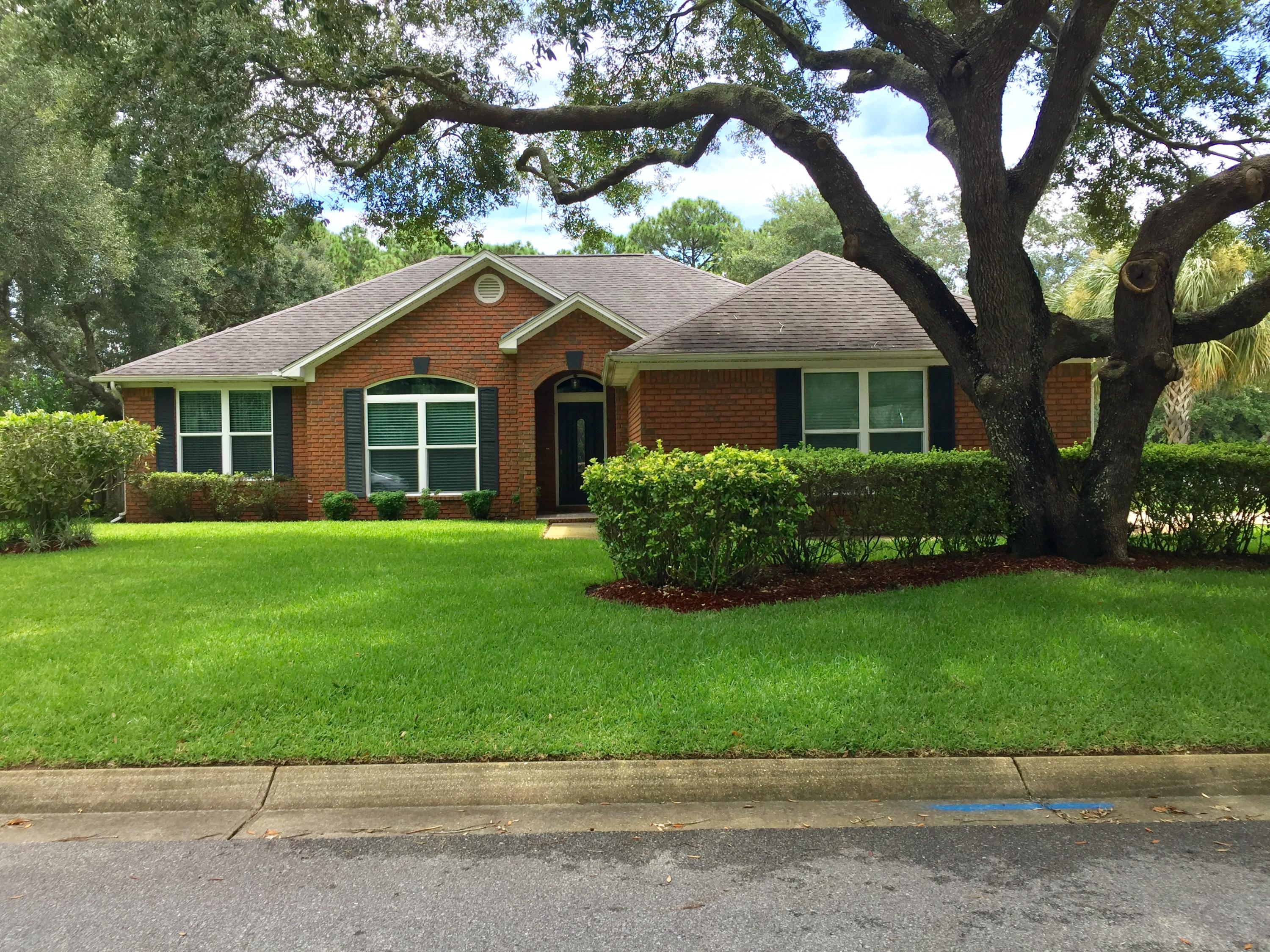 Photo of home for sale at 2080 Biscayne, Navarre FL