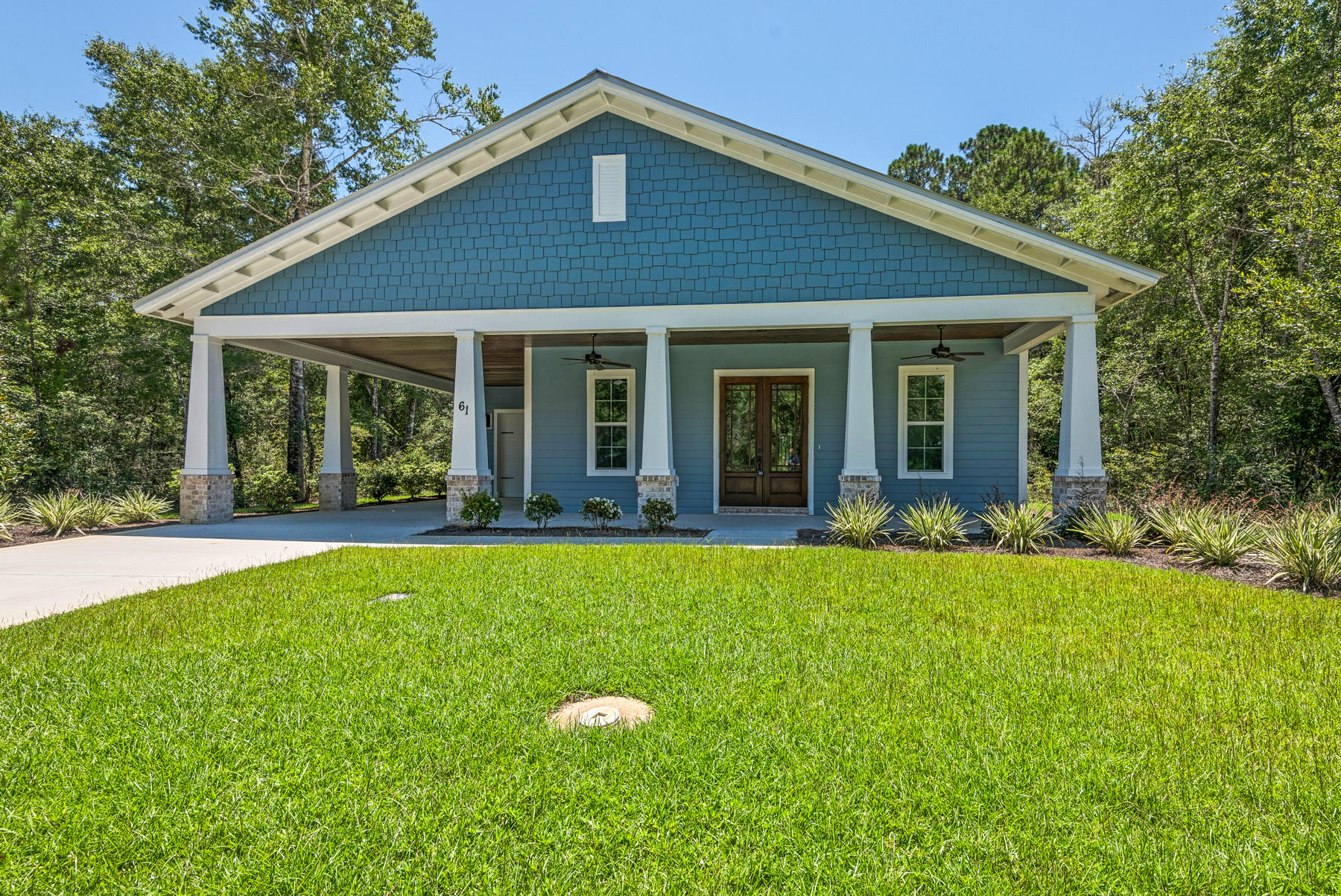 Photo of home for sale at 61 Hibernate, Freeport FL