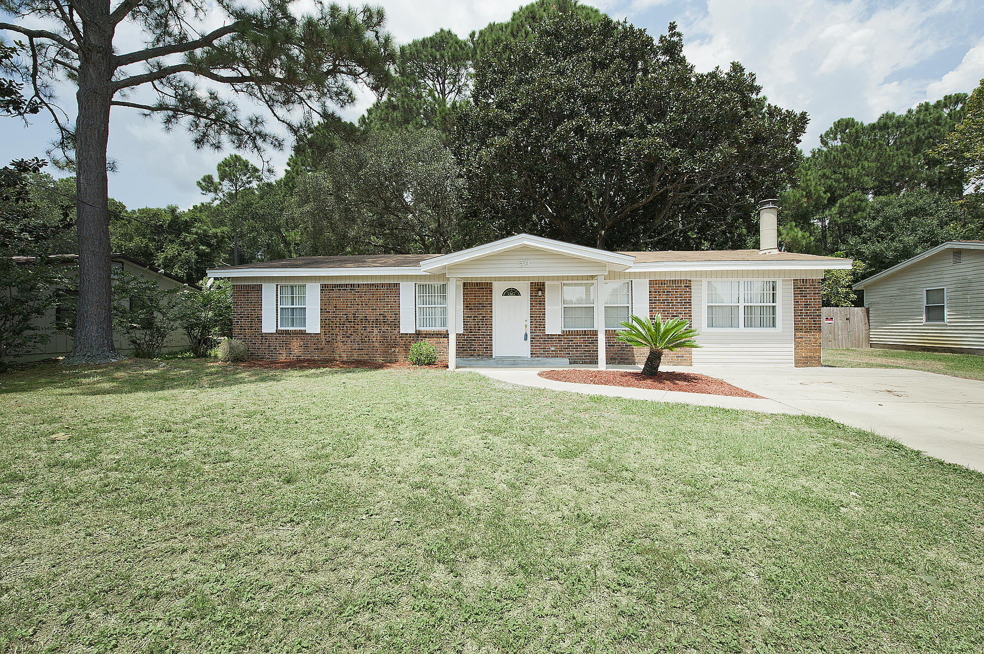 Photo of home for sale at 59 Mary Esther, Mary Esther FL