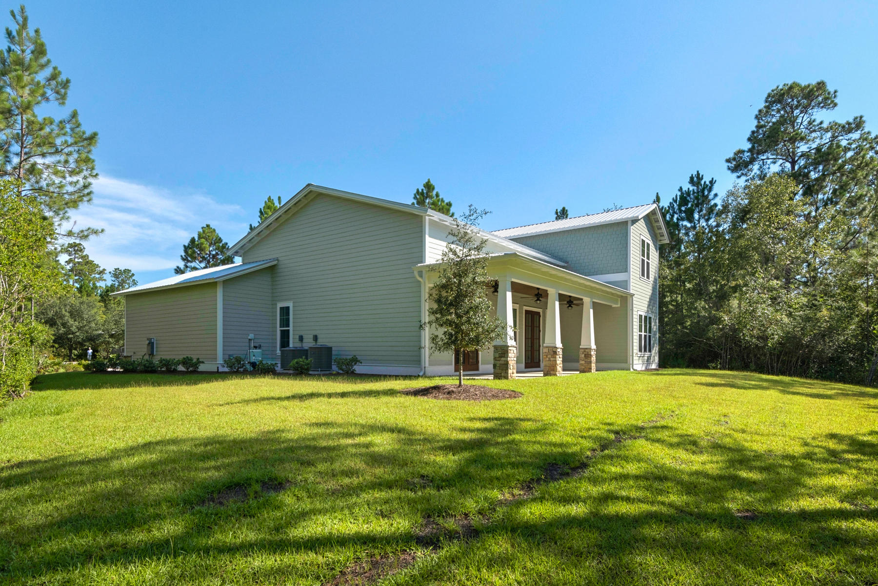 Photo of home for sale at 110 Grizzly, Freeport FL