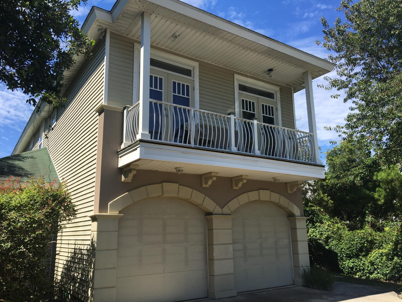 A 4 Bedroom 2 Bedroom Crystal Beach Rental