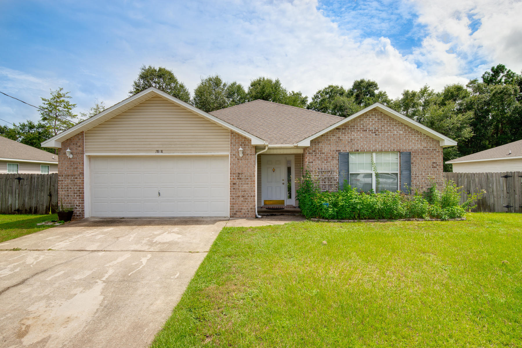 Photo of home for sale at 2868 Soles, Crestview FL