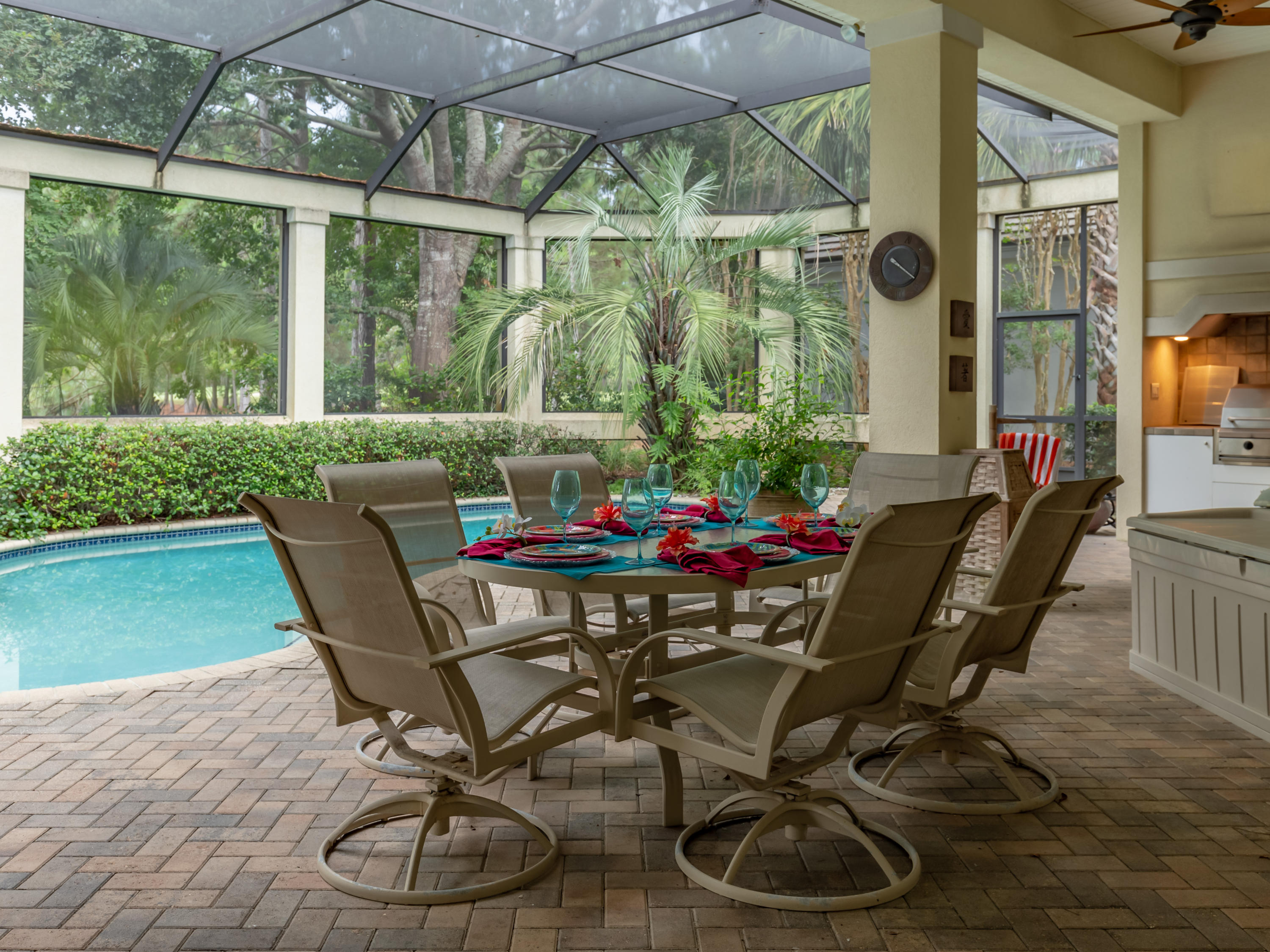 Photo of home for sale at 2910 Loblolly, Miramar Beach FL