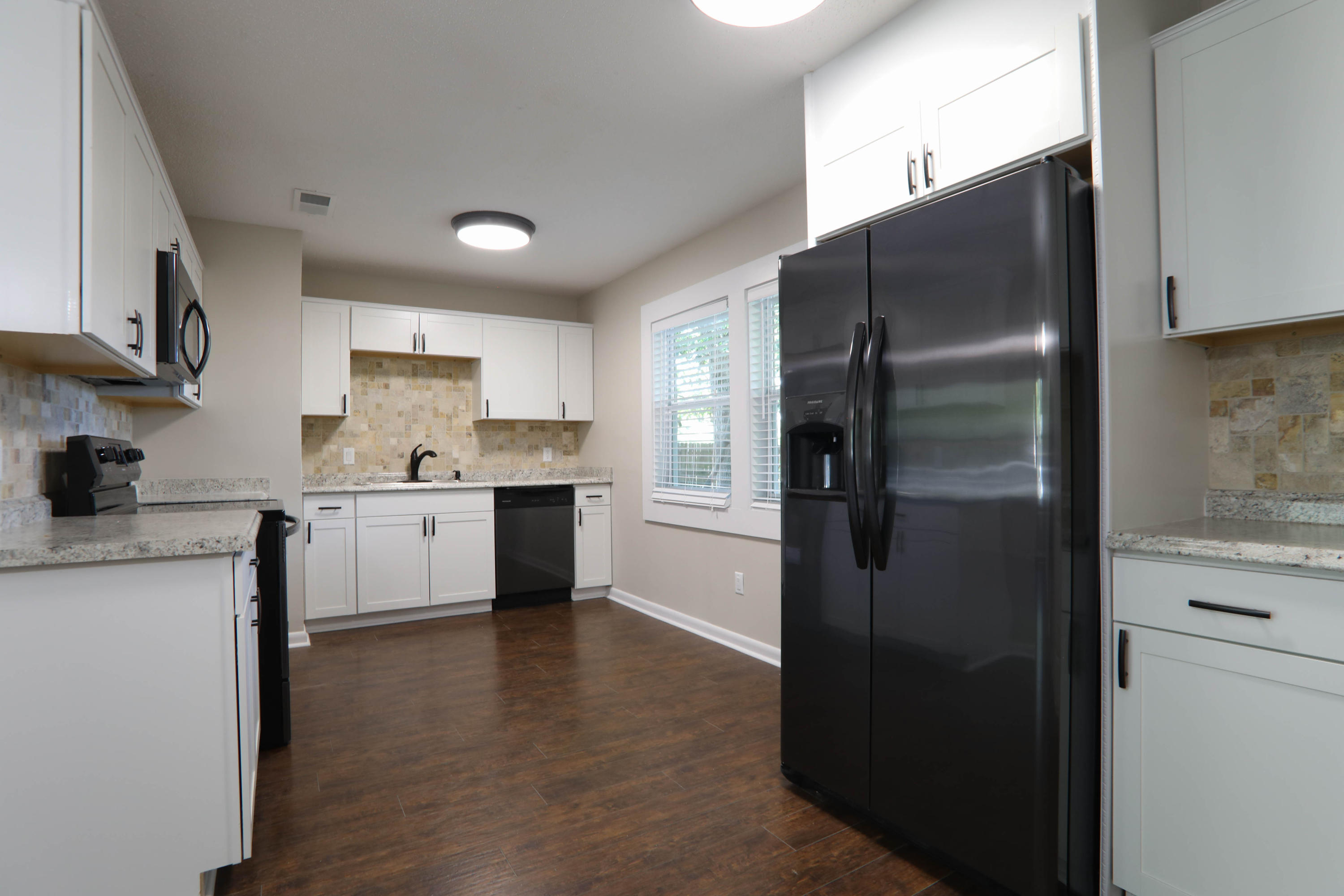 Photo of home for sale at 313 23rd, Niceville FL