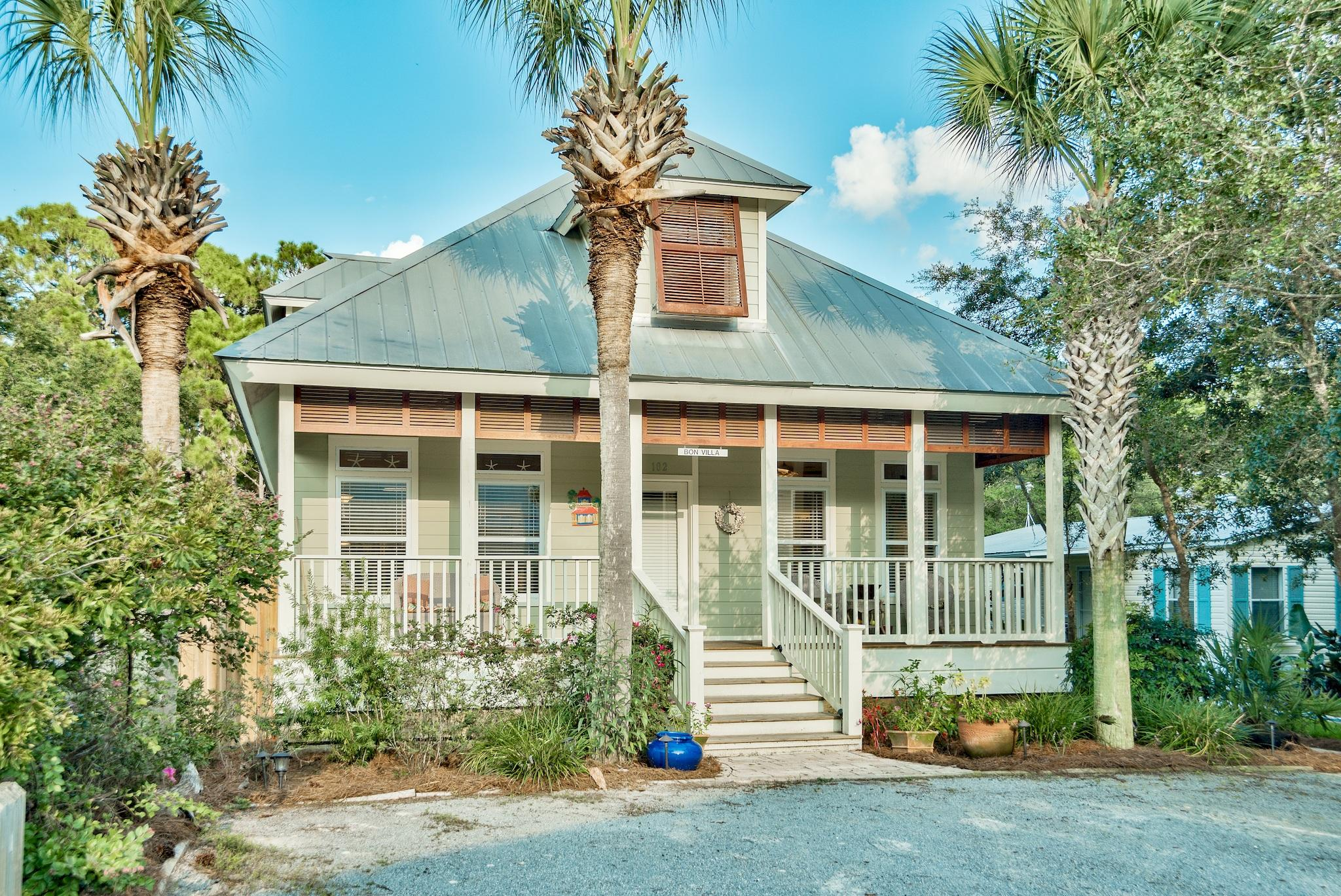 Photo of home for sale at 102 Dalton, Santa Rosa Beach FL
