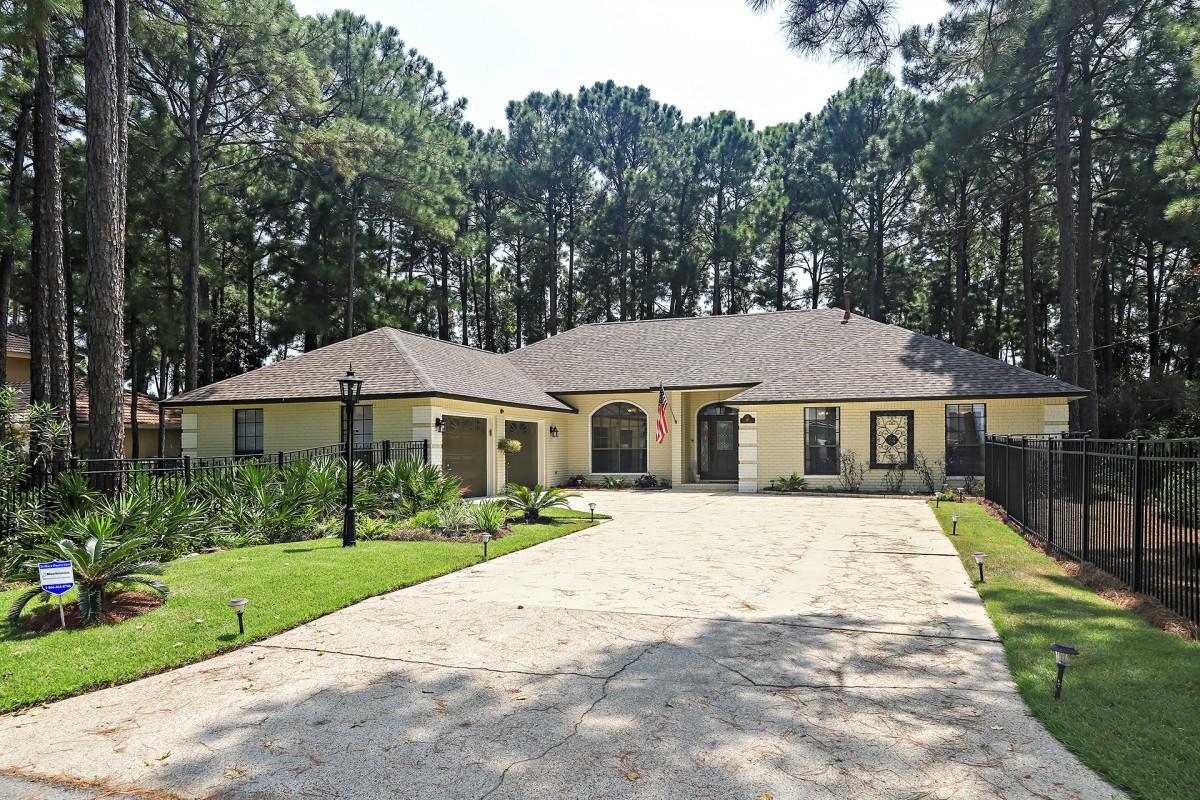 Photo of home for sale at 145 Bayshore, Miramar Beach FL