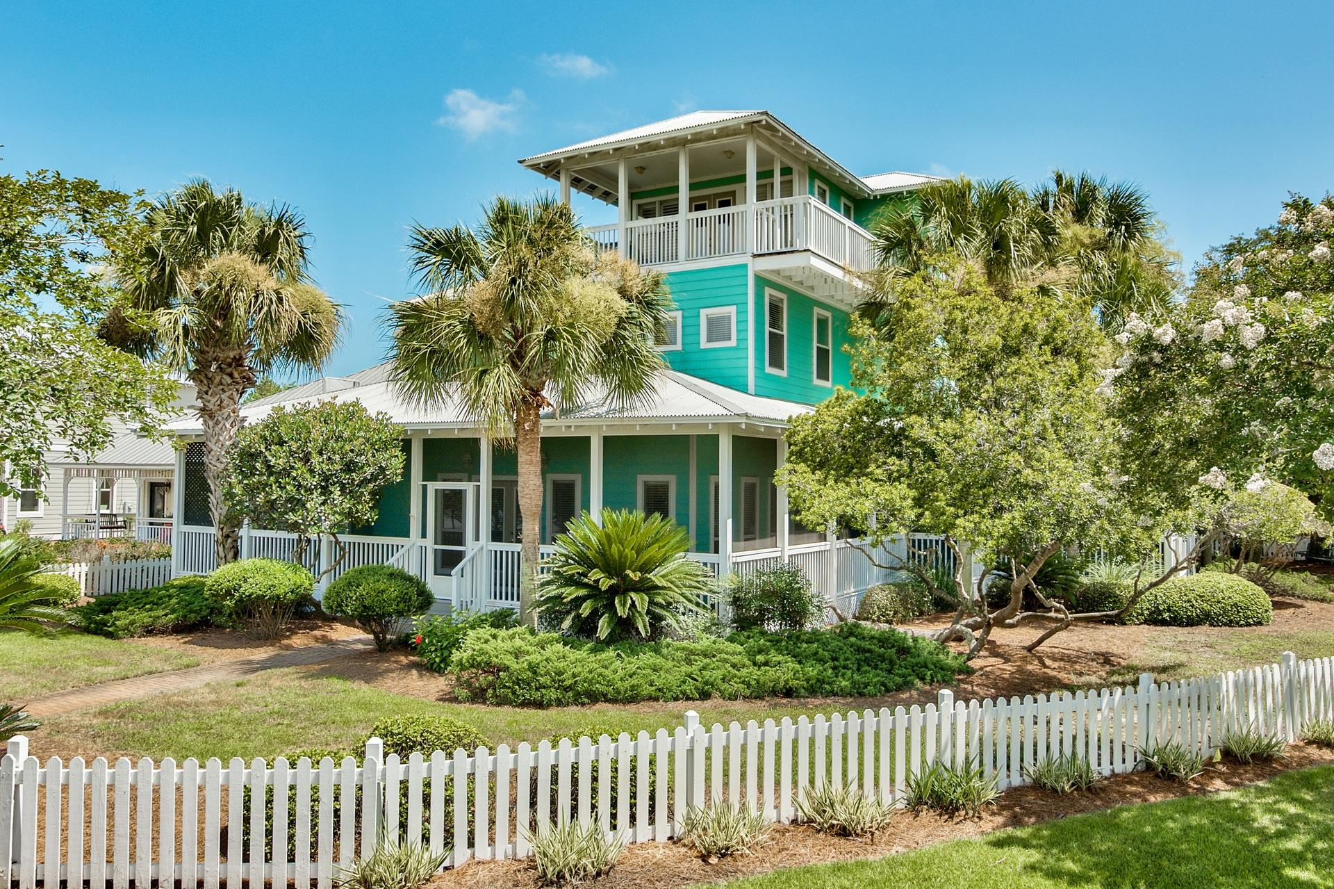 Photo of home for sale at 2097 Olde Towne, Miramar Beach FL