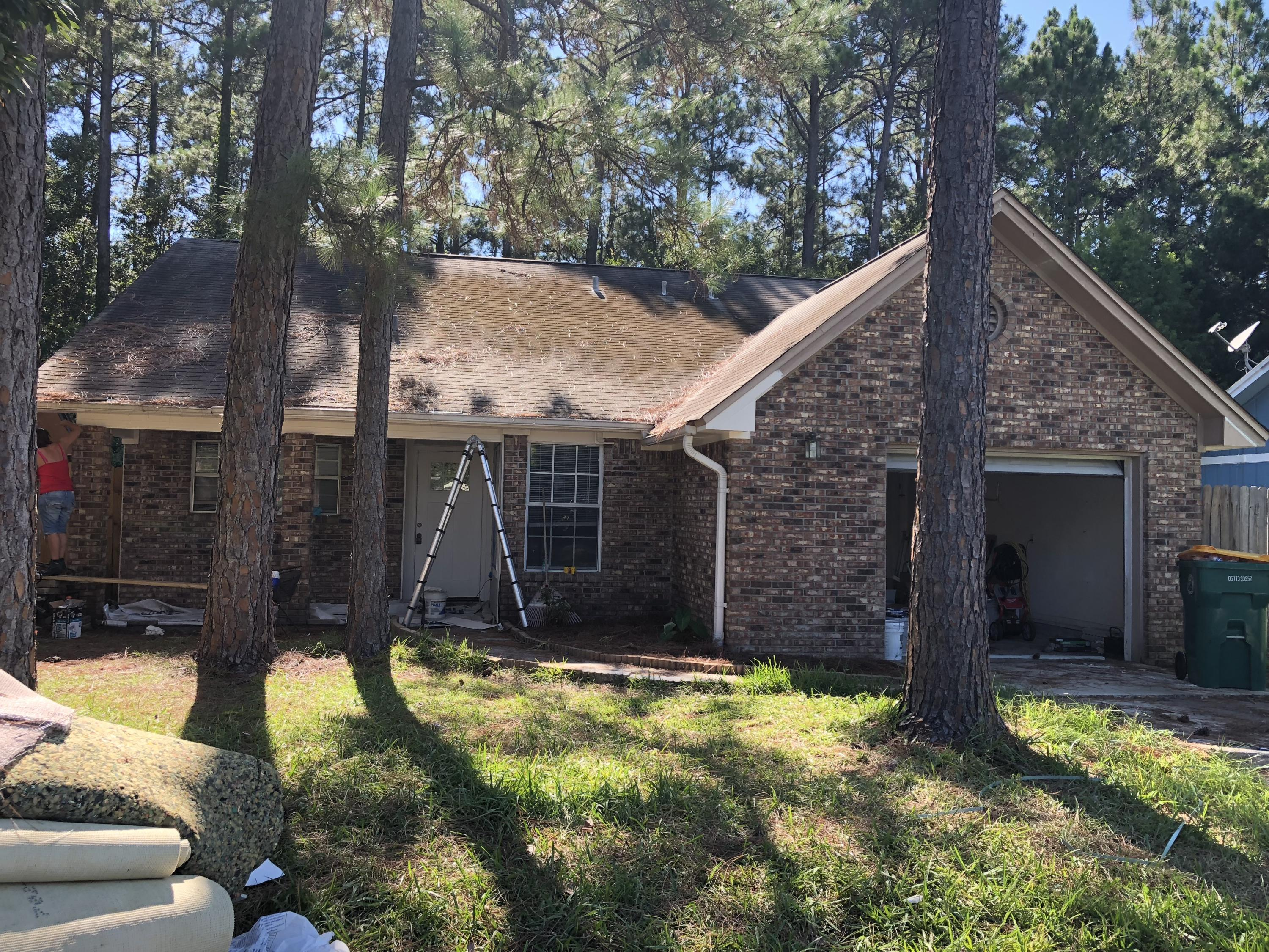 Photo of home for sale at 2016 Woodfern, Fort Walton Beach FL