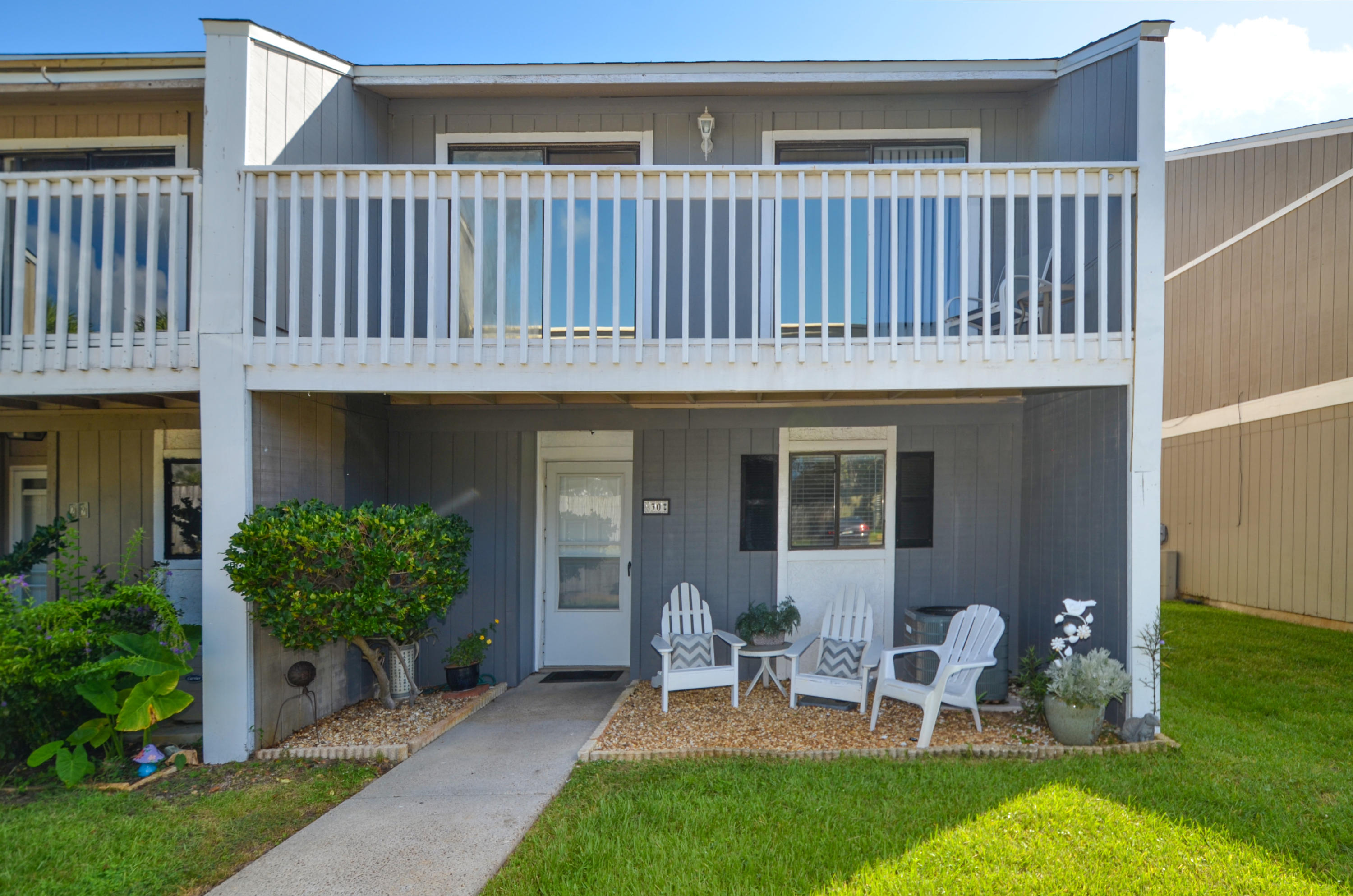 Photo of home for sale at 30 Court, Destin FL