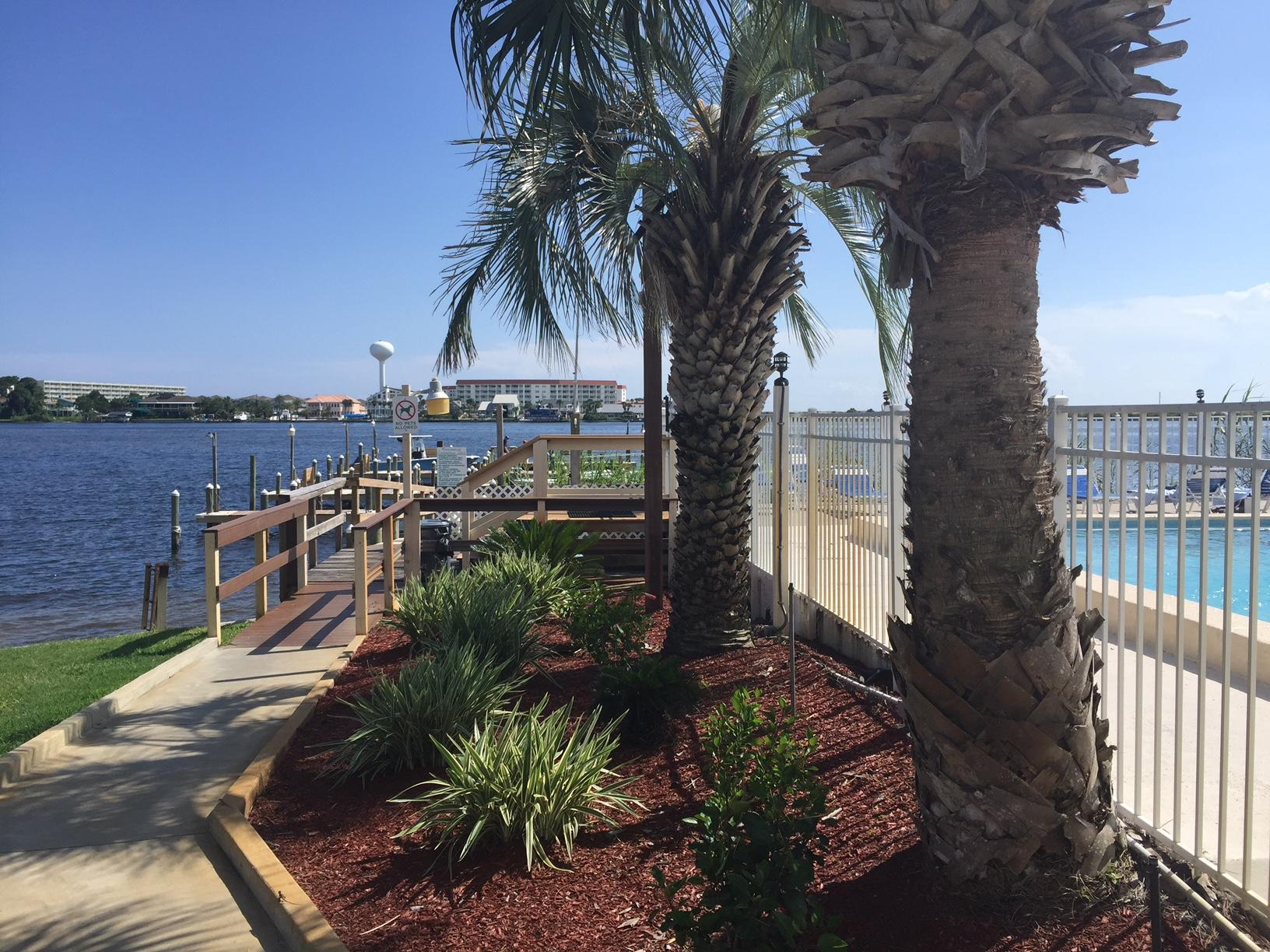 Photo of home for sale at 308 Miracle Strip, Fort Walton Beach FL