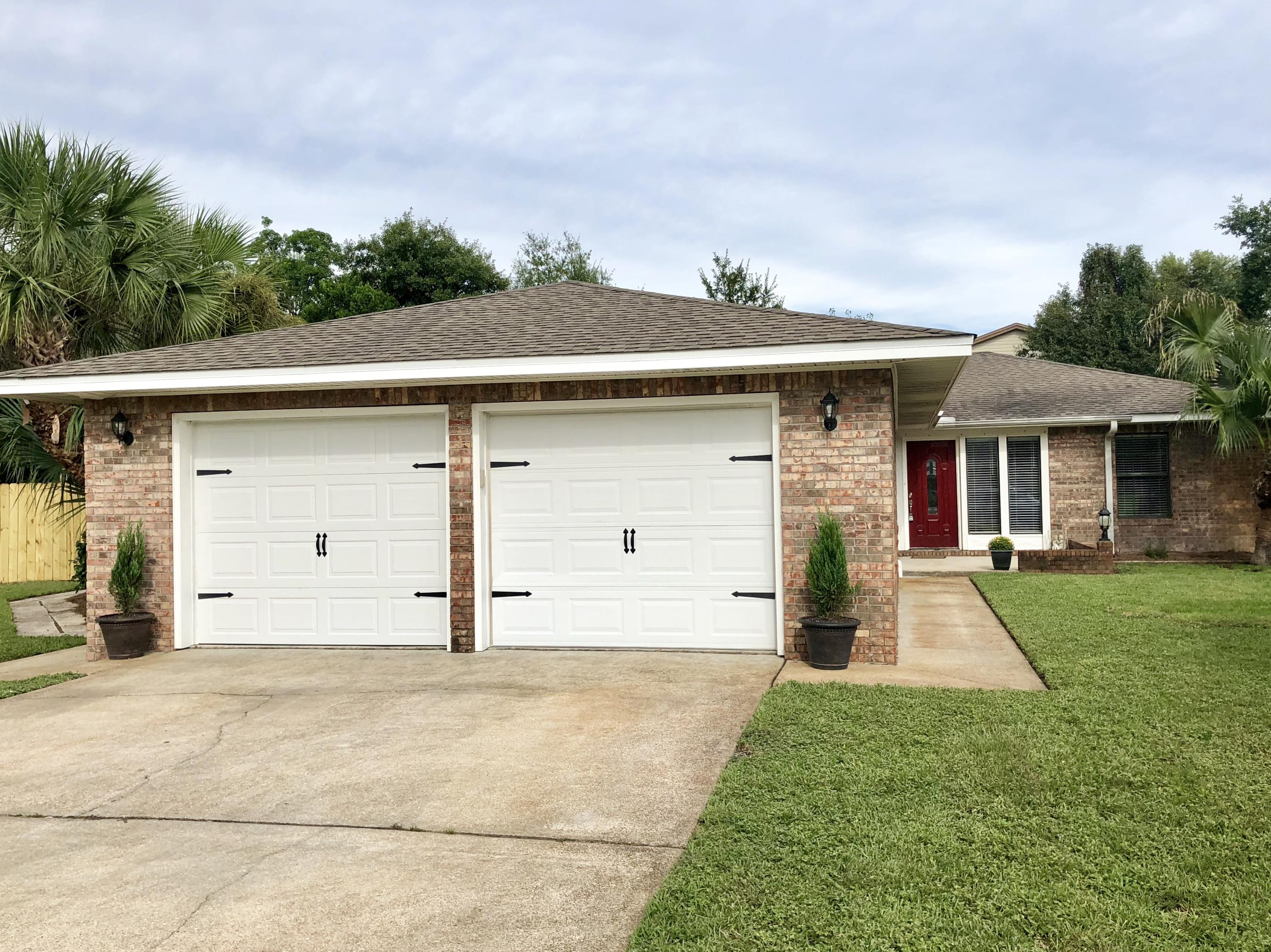 Photo of home for sale at 551 Brian, Mary Esther FL