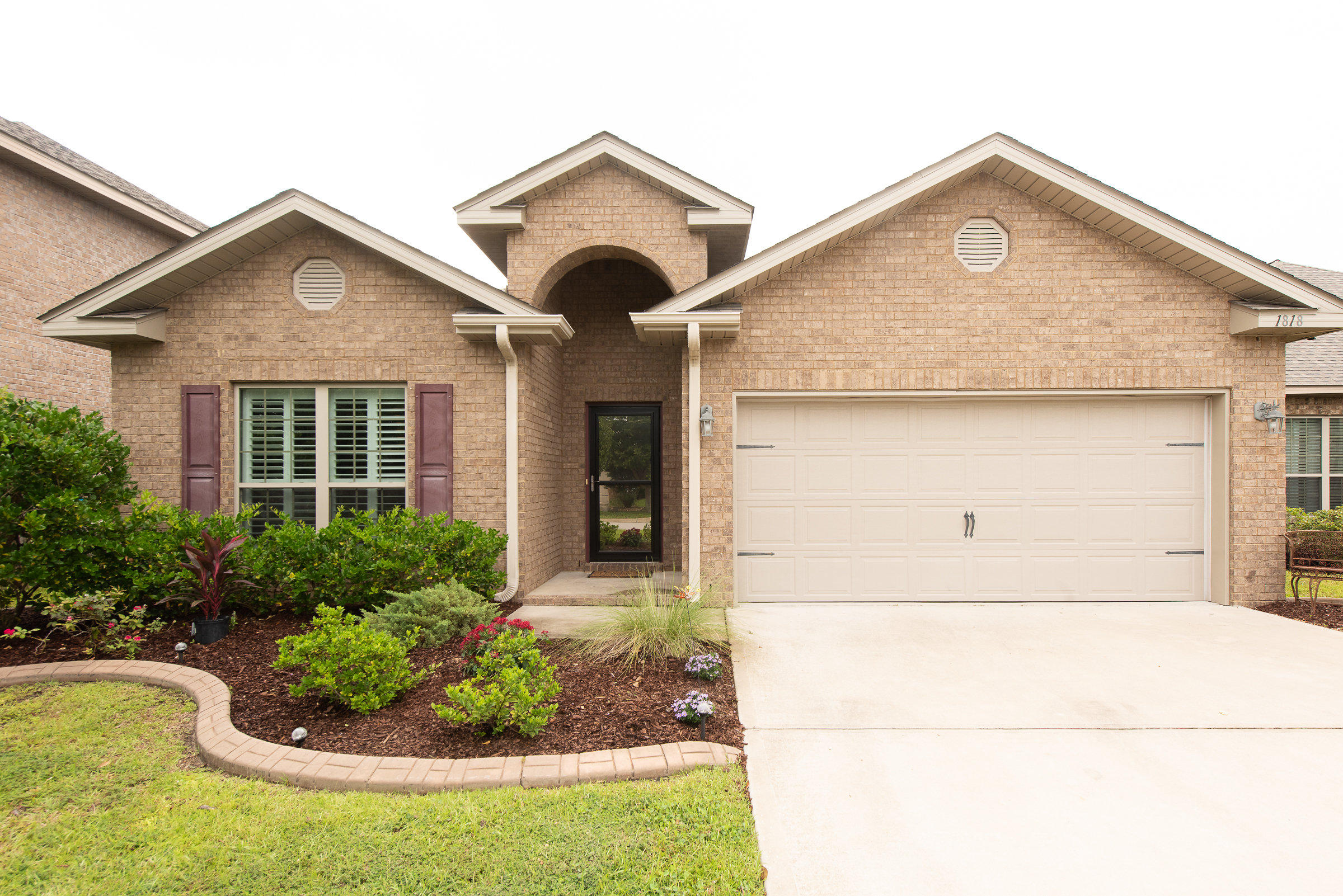 Photo of home for sale at 1818 Coast, Gulf Breeze FL