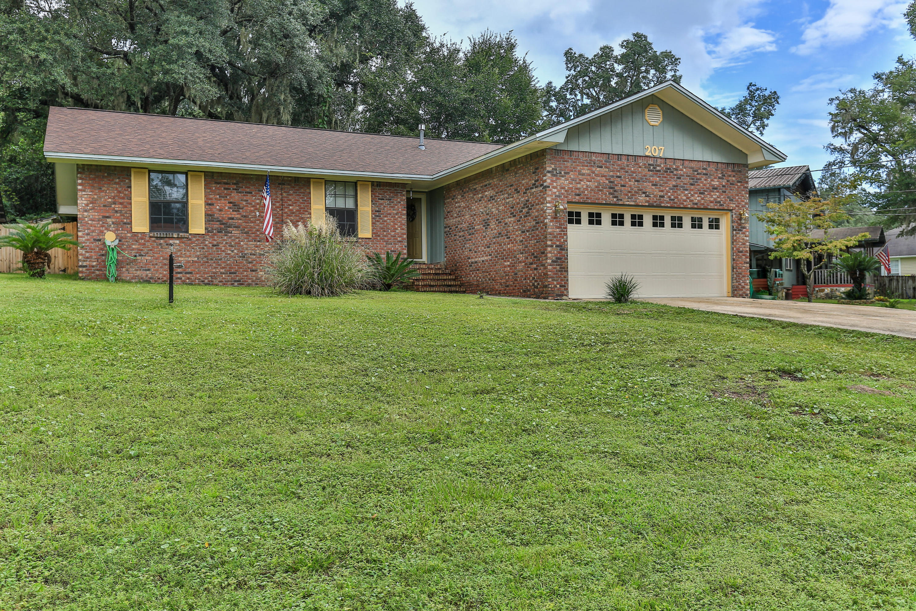 A 3 Bedroom 2 Bedroom Florida Heights Home