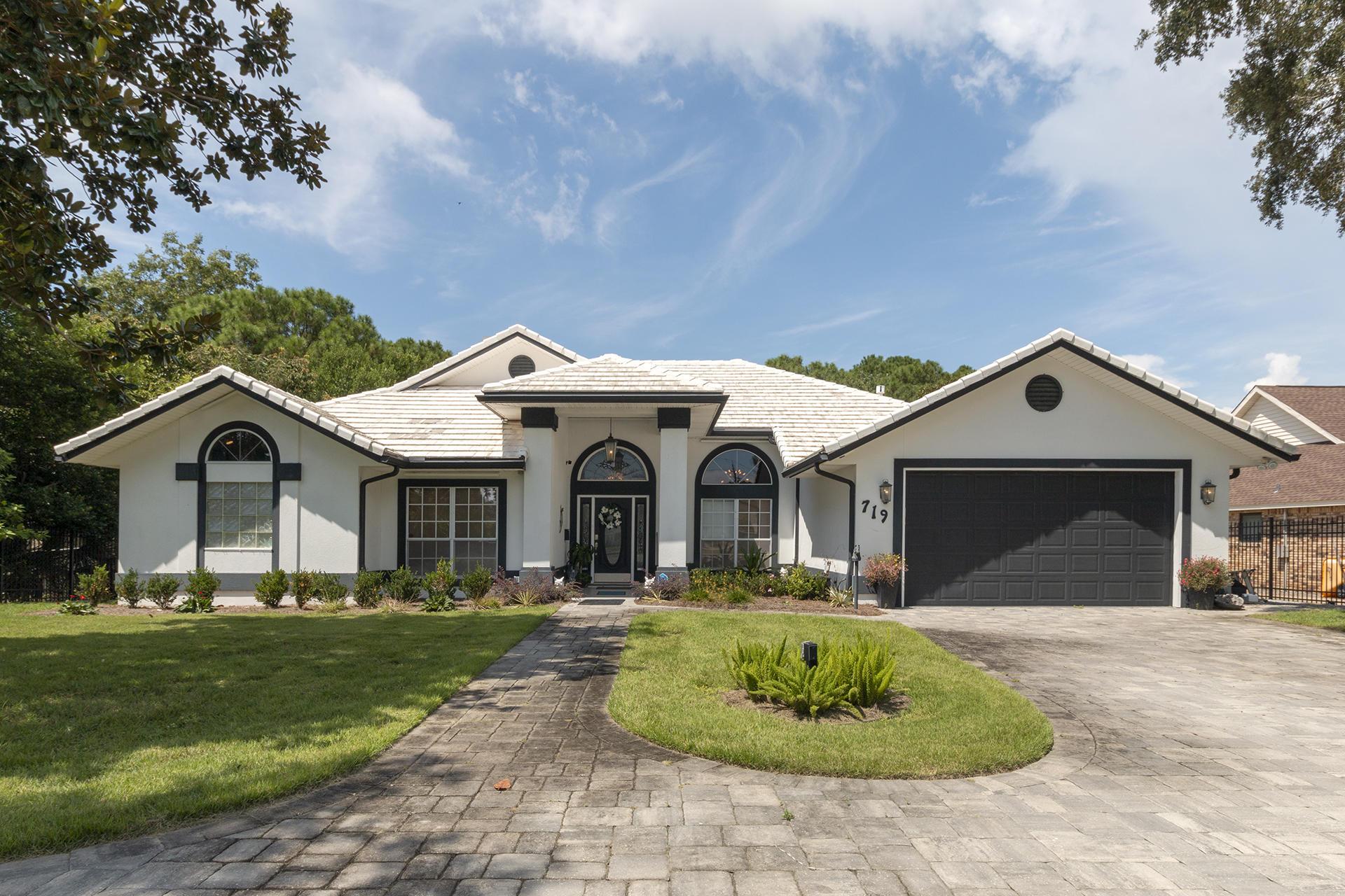 Destin Real Estate Listing, featured MLS property E807311