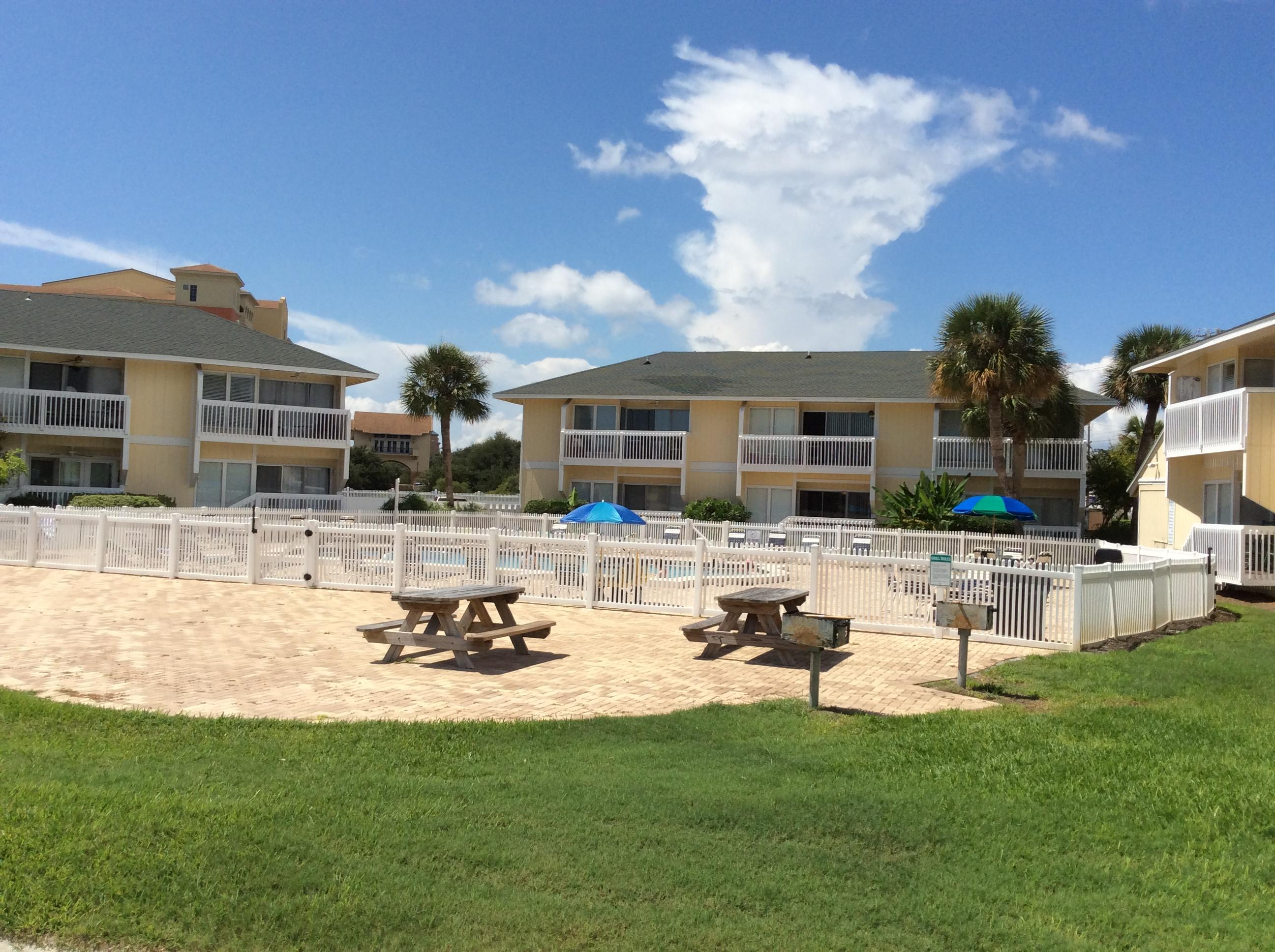 Photo of home for sale at 775 Gulf Shore, Destin FL