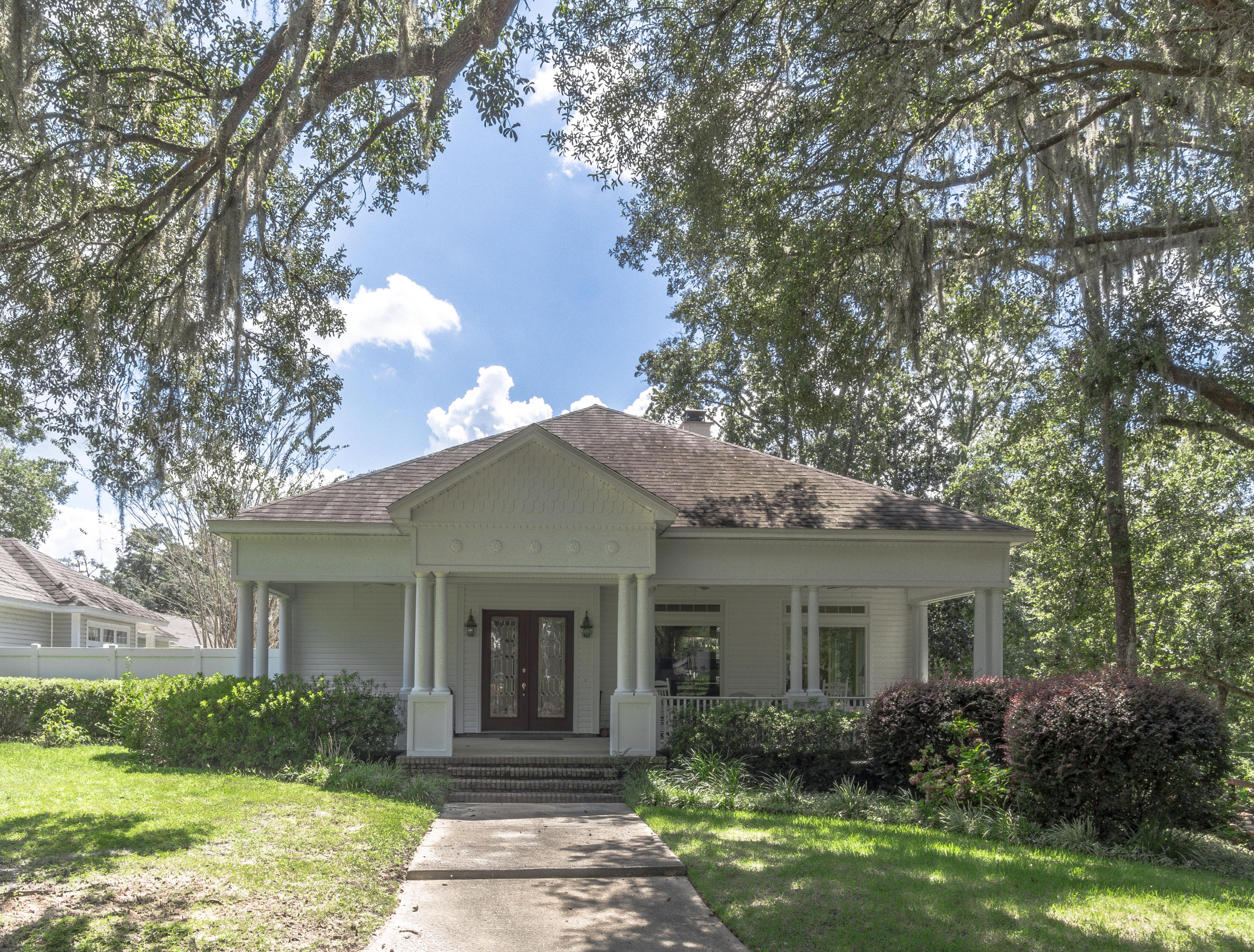 Photo of home for sale at 4001 Riverside, Panama City FL