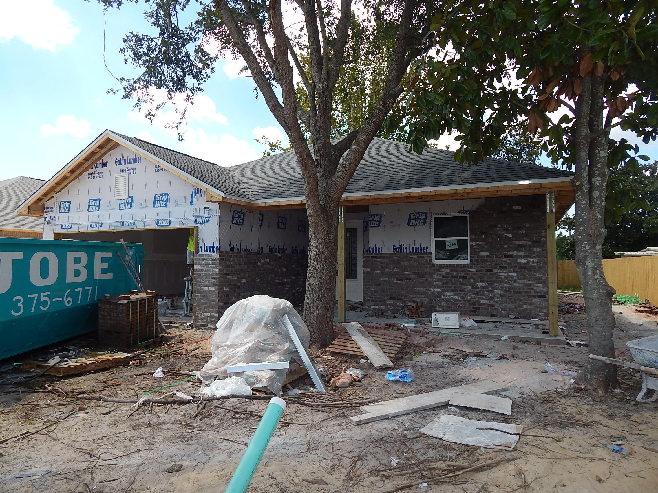 Photo of home for sale at 28 Snook, Mary Esther FL