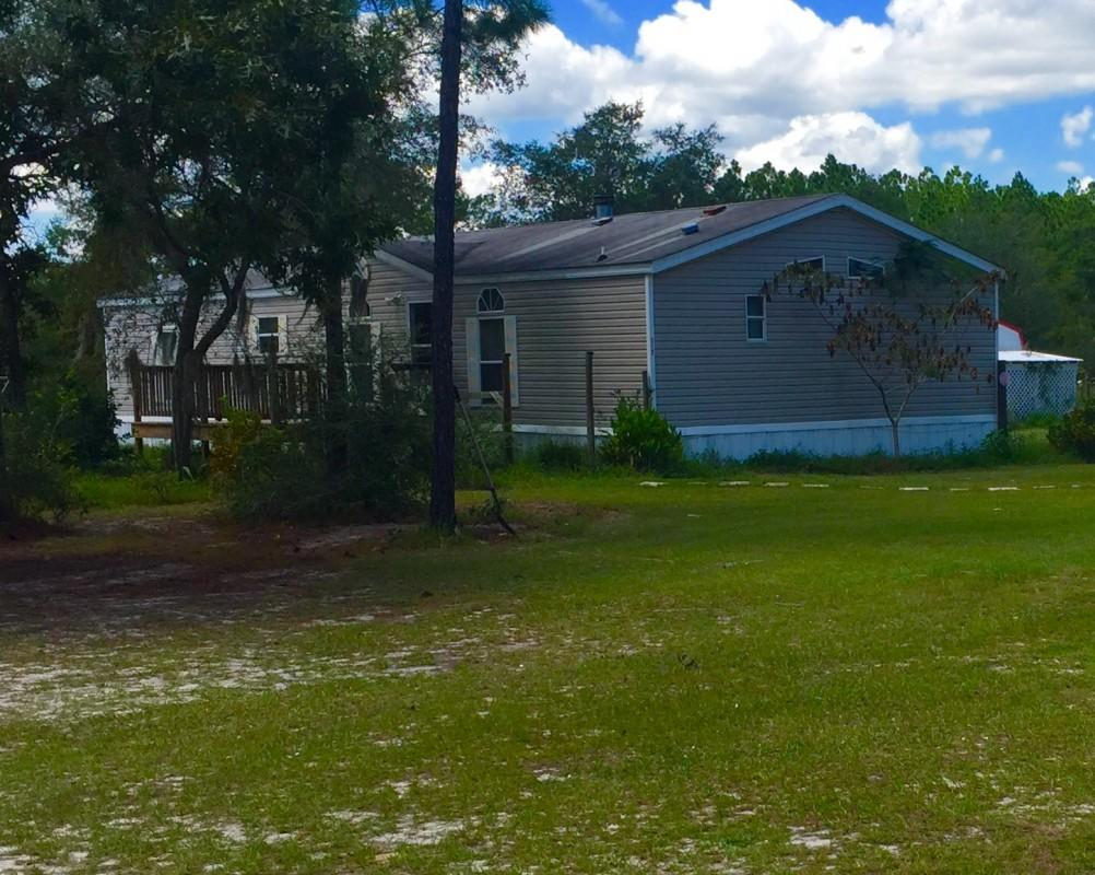 Photo of home for sale at 315 Don Graff, Freeport FL