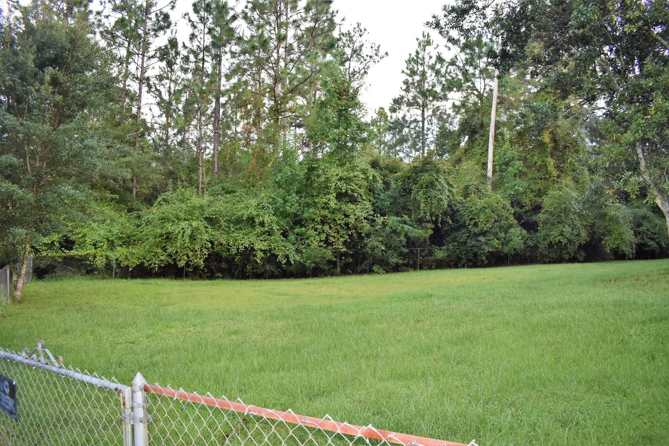 Photo of home for sale at 4795 Old Mill, Crestview FL