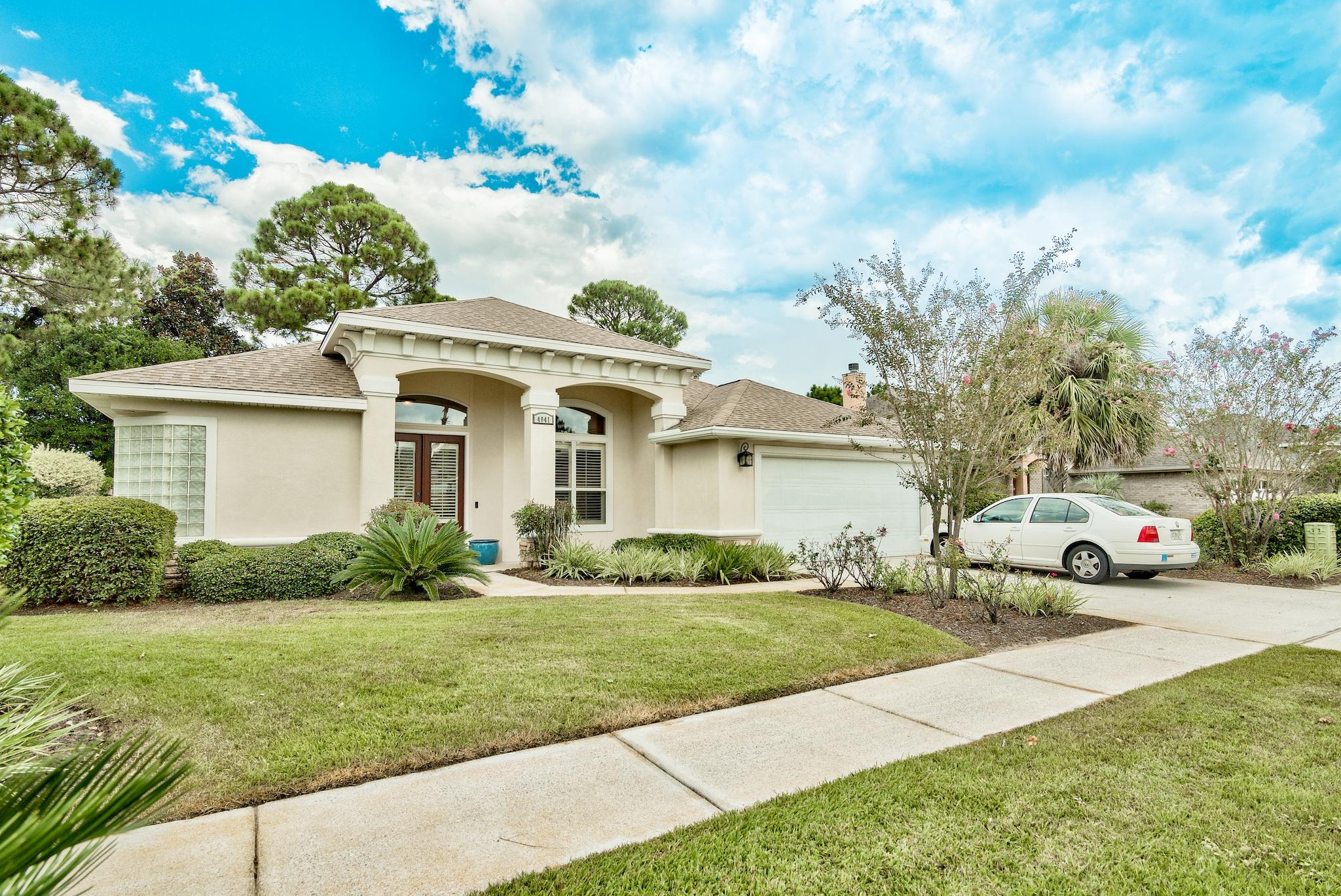 Photo of home for sale at 4041 Drifting Sand, Destin FL