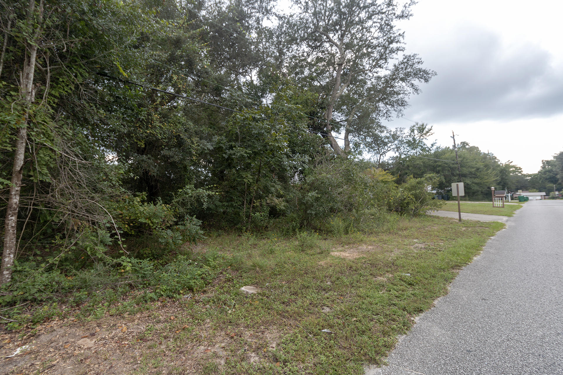 Fort Walton Beach Real Estate Listing, featured MLS property E807755