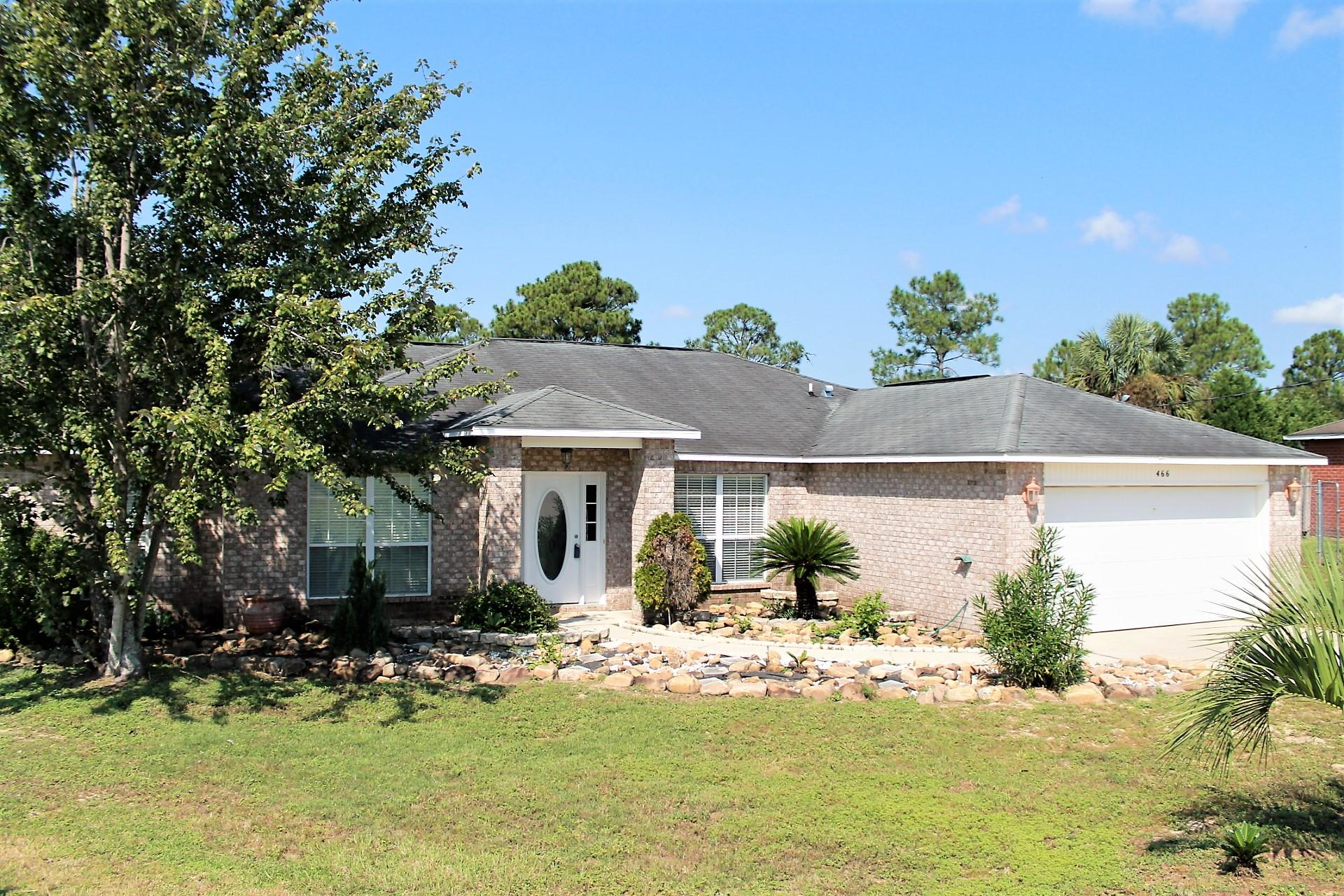 Photo of home for sale at 466 Jillian, Crestview FL