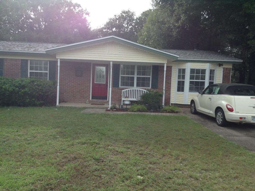 Photo of home for sale at 719 James Lee, Fort Walton Beach FL