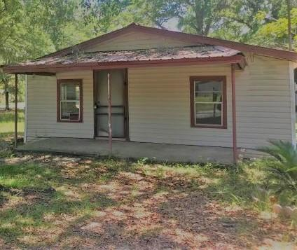 Photo of home for sale at 451 Amos, Crestview FL