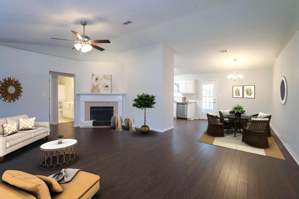 Photo of home for sale at 8207 Riverside Landing, Navarre FL
