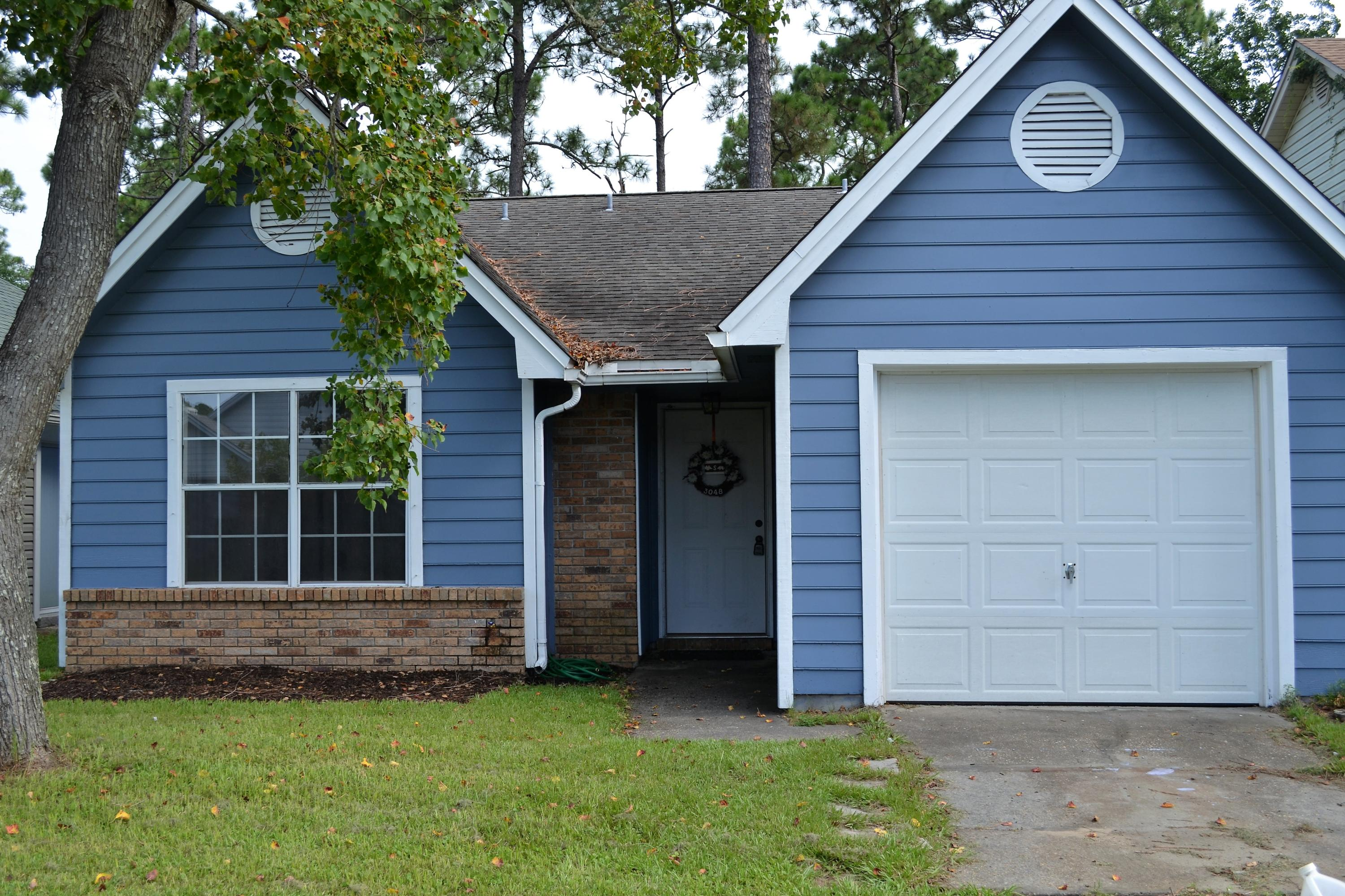 Photo of home for sale at 3048 Yorktown, Fort Walton Beach FL