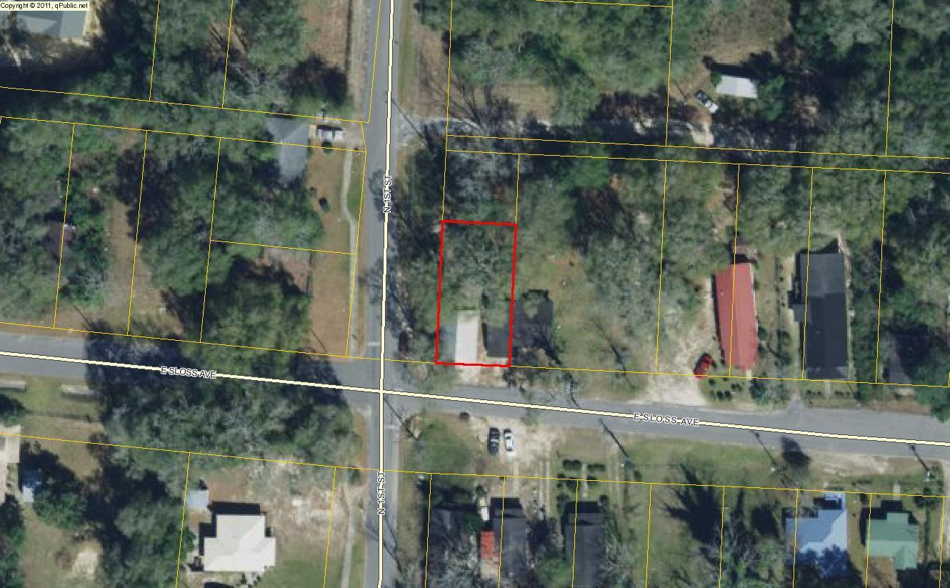 Photo of home for sale at 82 1st, Defuniak Springs FL