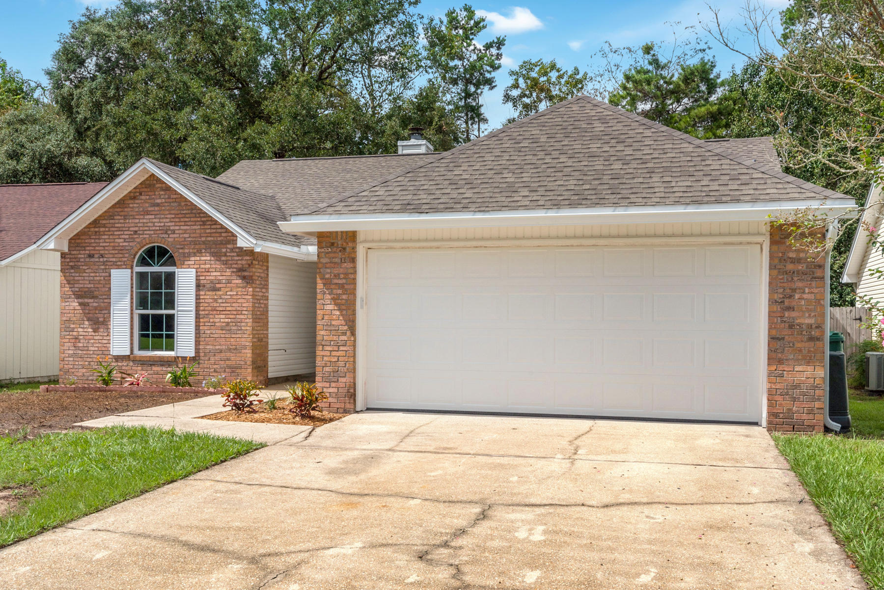 Photo of home for sale at 128 Wright, Niceville FL