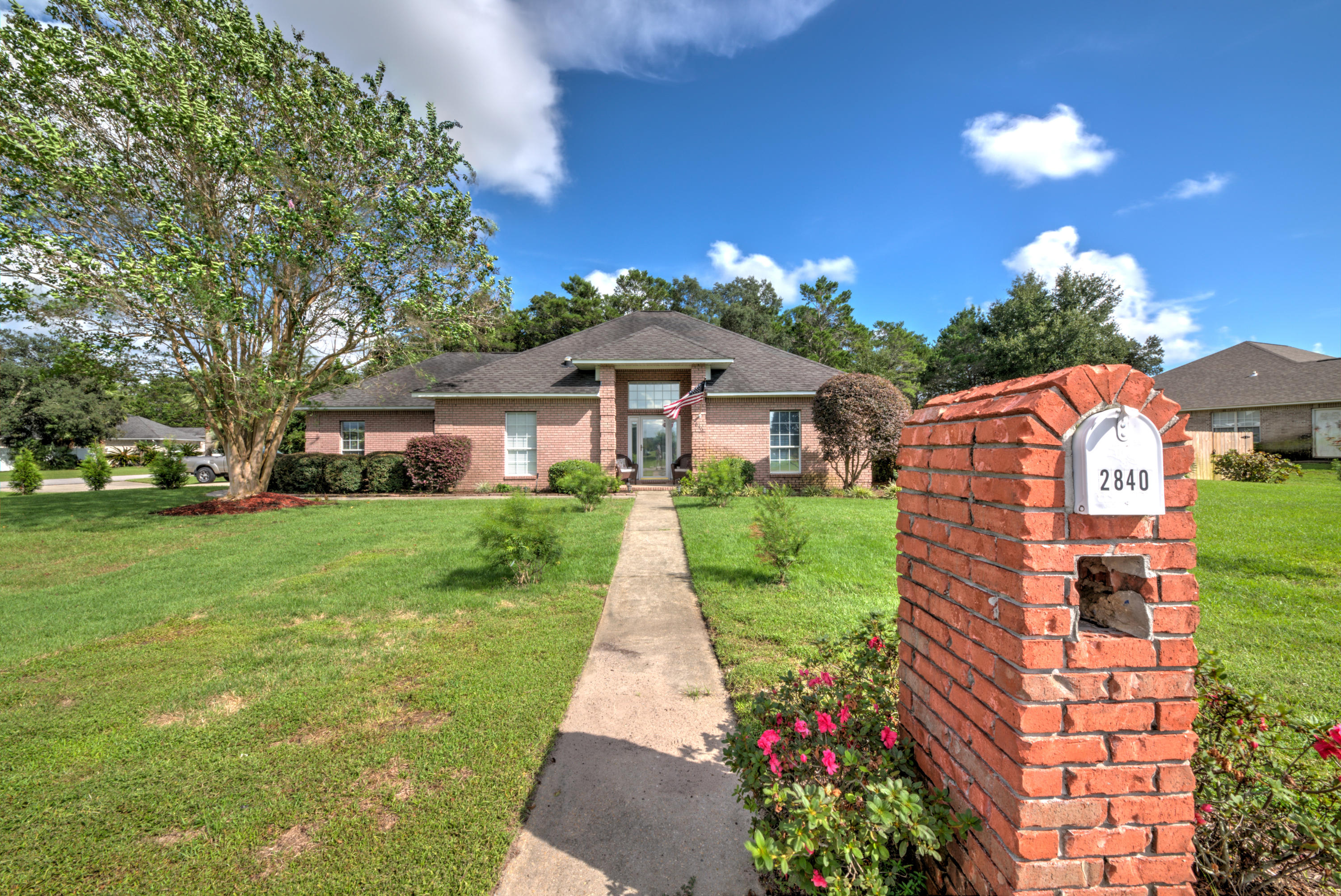 Photo of home for sale at 2840 Masters, Navarre FL