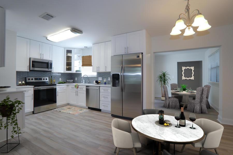 Photo of home for sale at 412 Primrose, Destin FL
