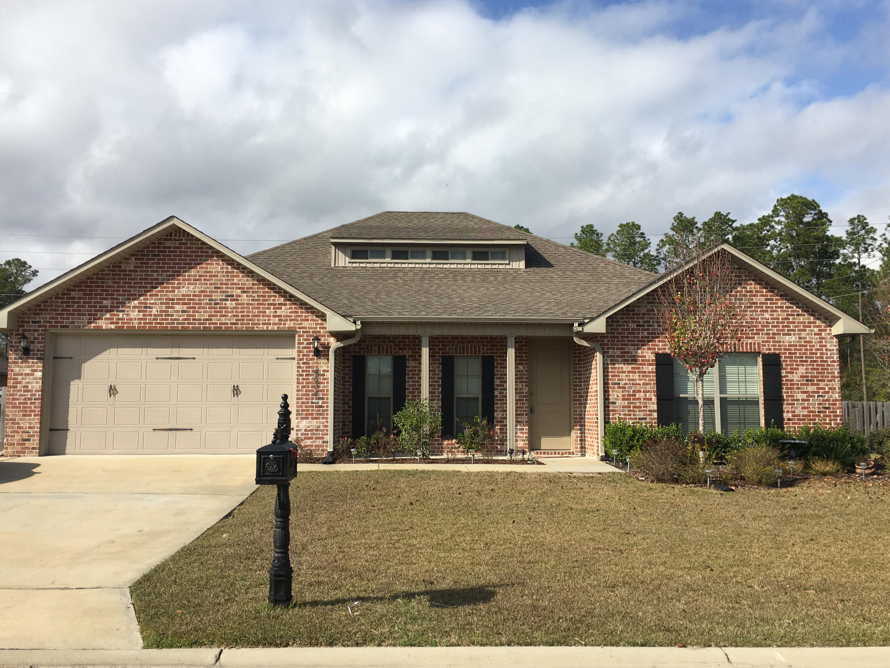 Photo of home for sale at 4534 Annabelle, Crestview FL