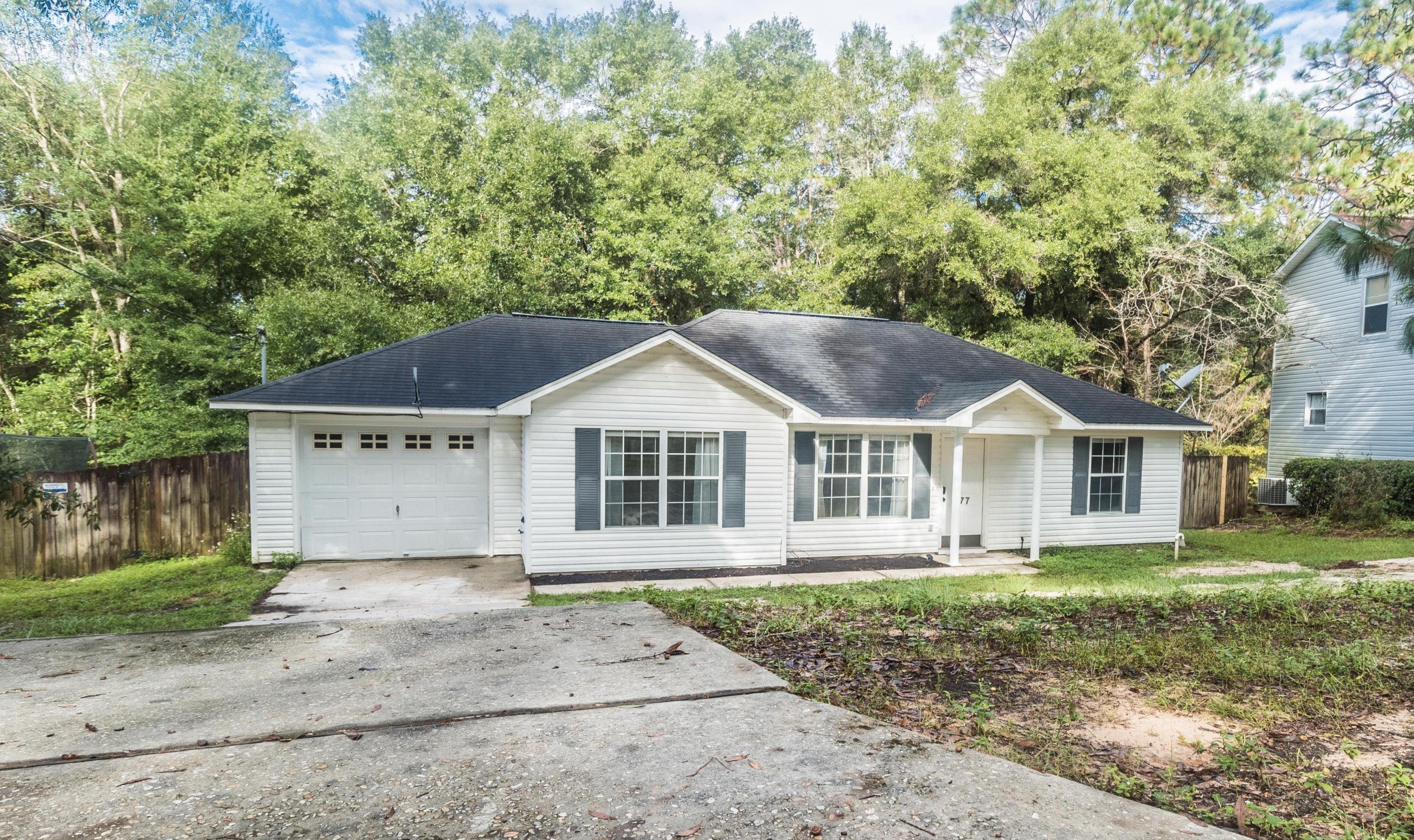 Photo of home for sale at 277 Panama, Crestview FL