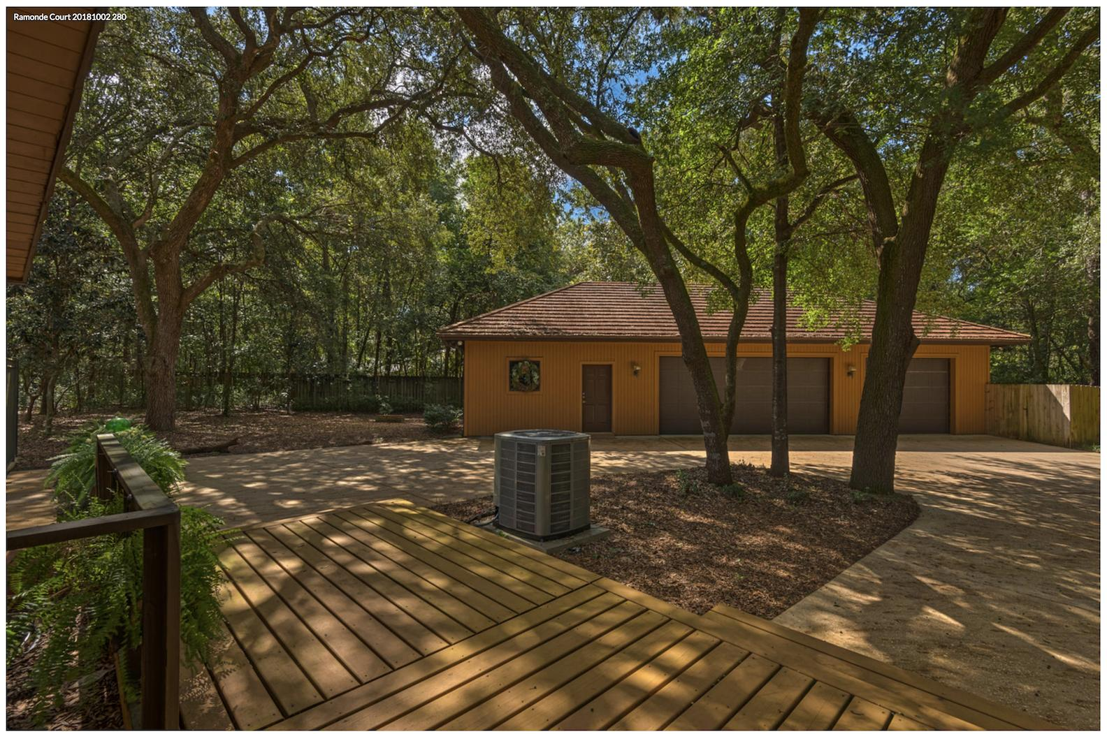 Photo of home for sale at 106 Ramonde, Niceville FL