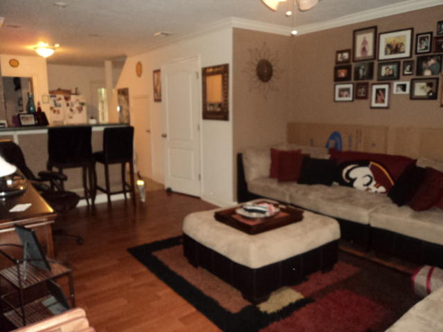 A 2 Bedroom 1 Bedroom Shay-lin Rental