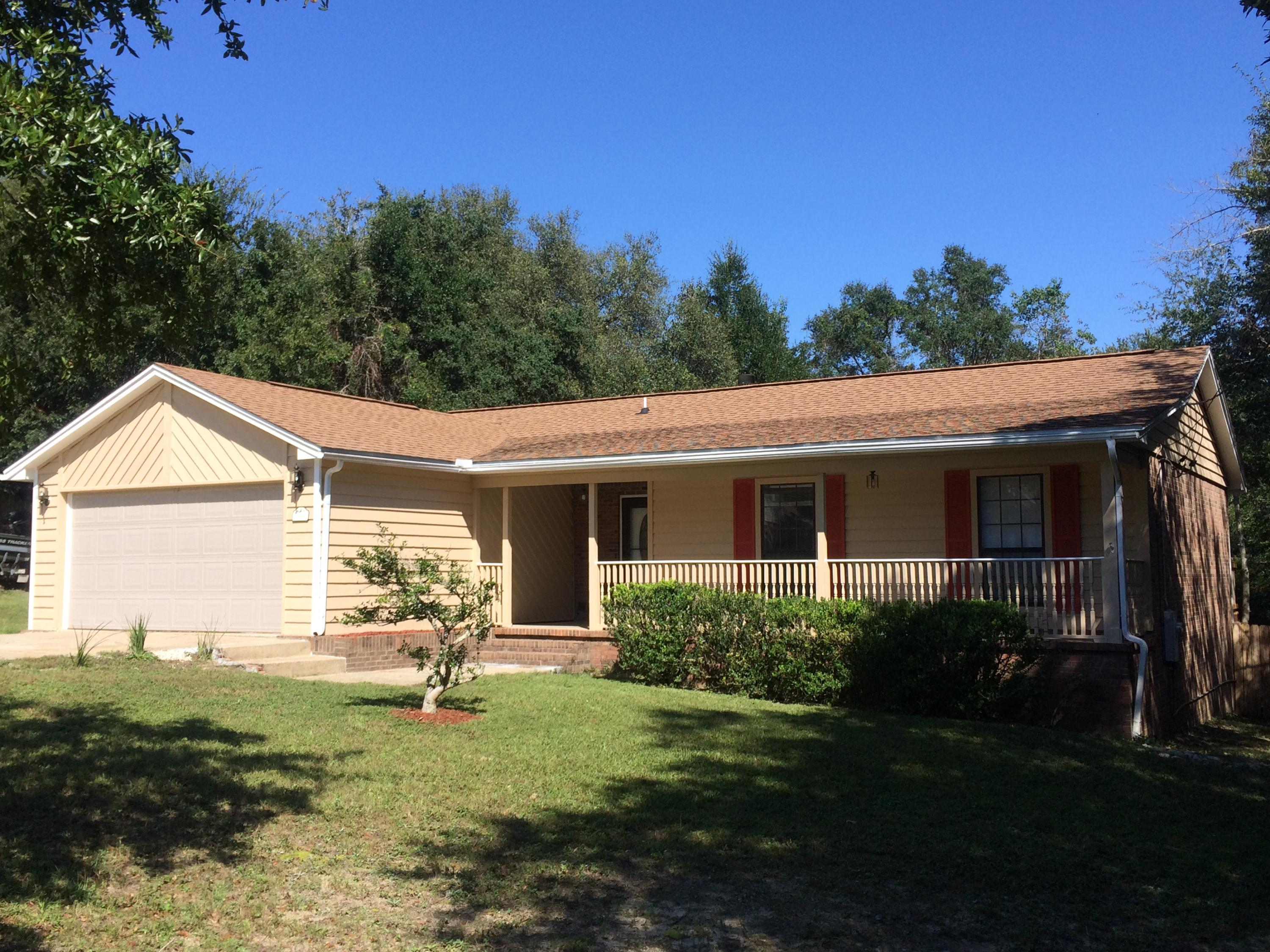 Photo of home for sale at 130 Edna, Crestview FL